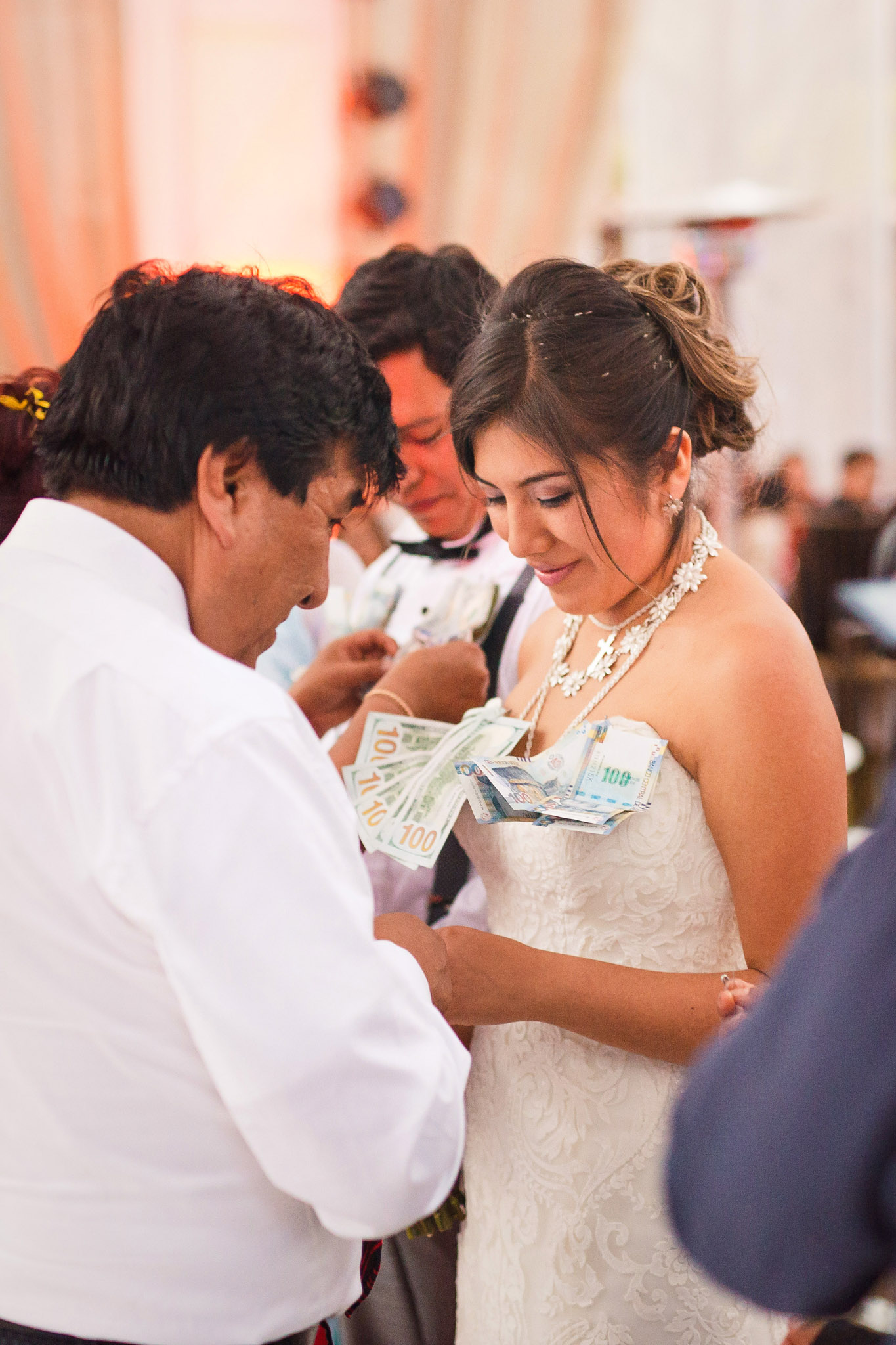 Wedding-Travellers-Destination-Wedding-Peru-Cusco-Hacienda-Sarapampa-Sacred-Valley-tradition-money