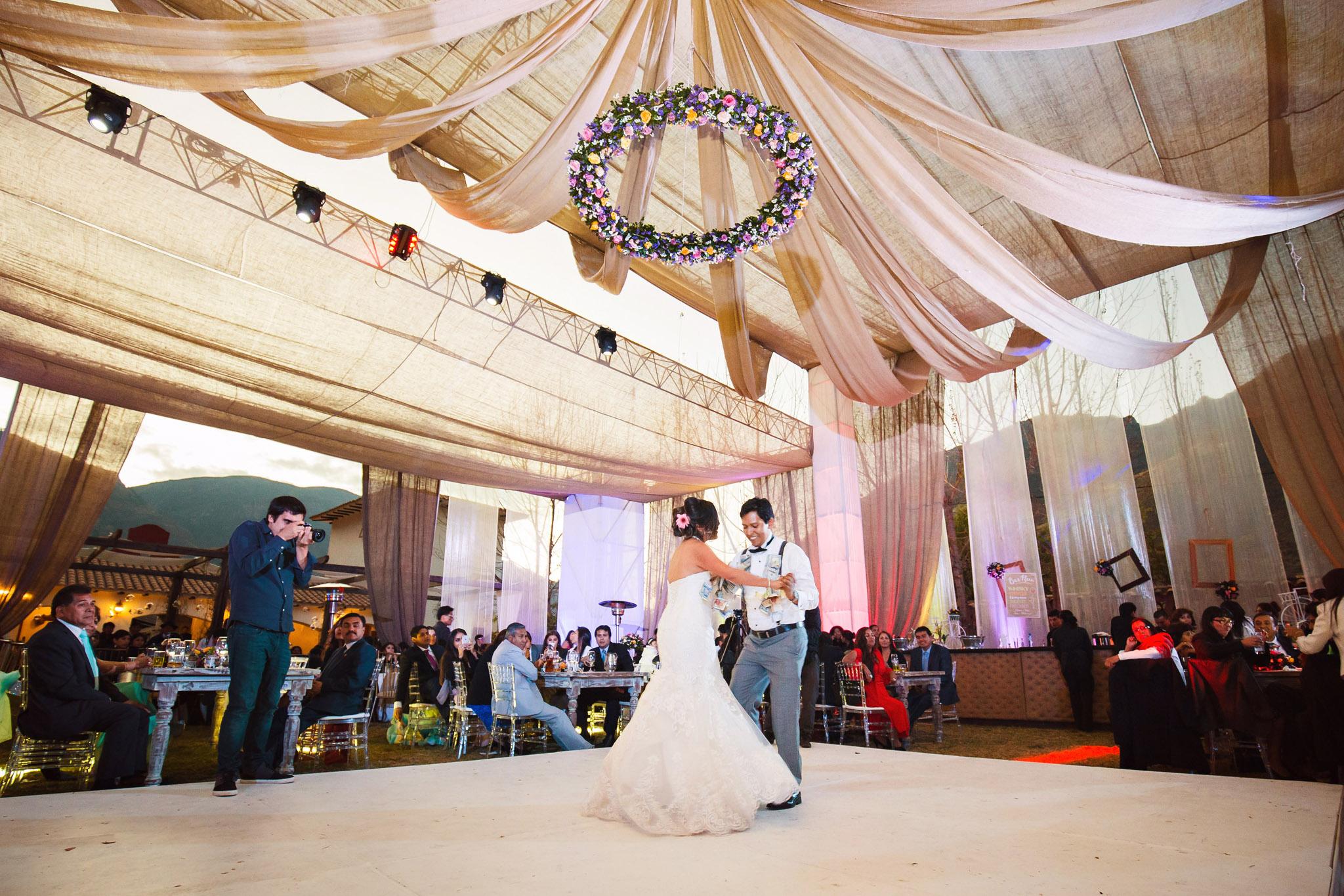 Wedding-Travellers-Destination-Wedding-Peru-Cusco-Hacienda-Sarapampa-Sacred-Valley-money-tradition