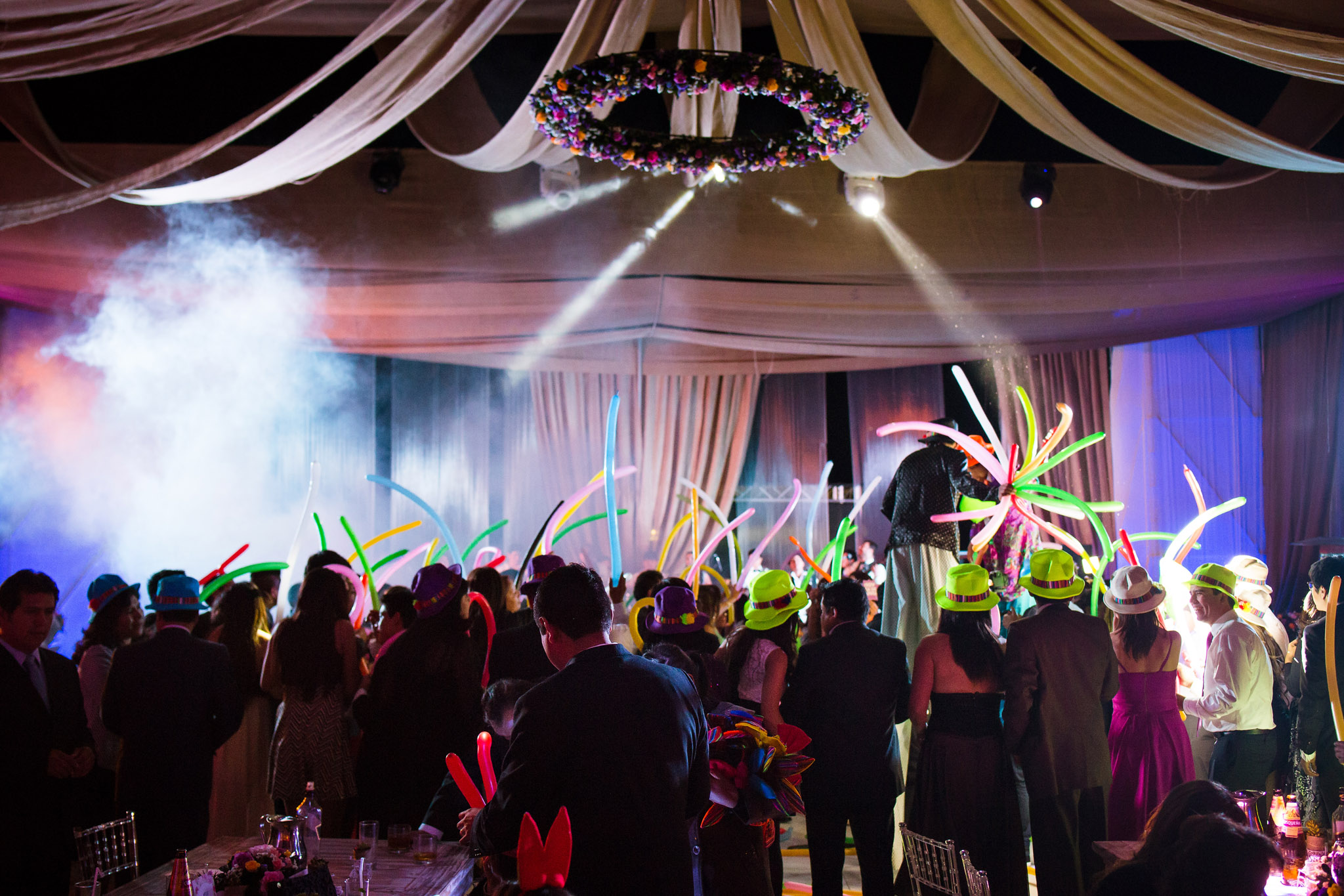 Wedding-Travellers-Destination-Wedding-Peru-Cusco-Hacienda-Sarapampa-Sacred-Valley-hora-loca-party