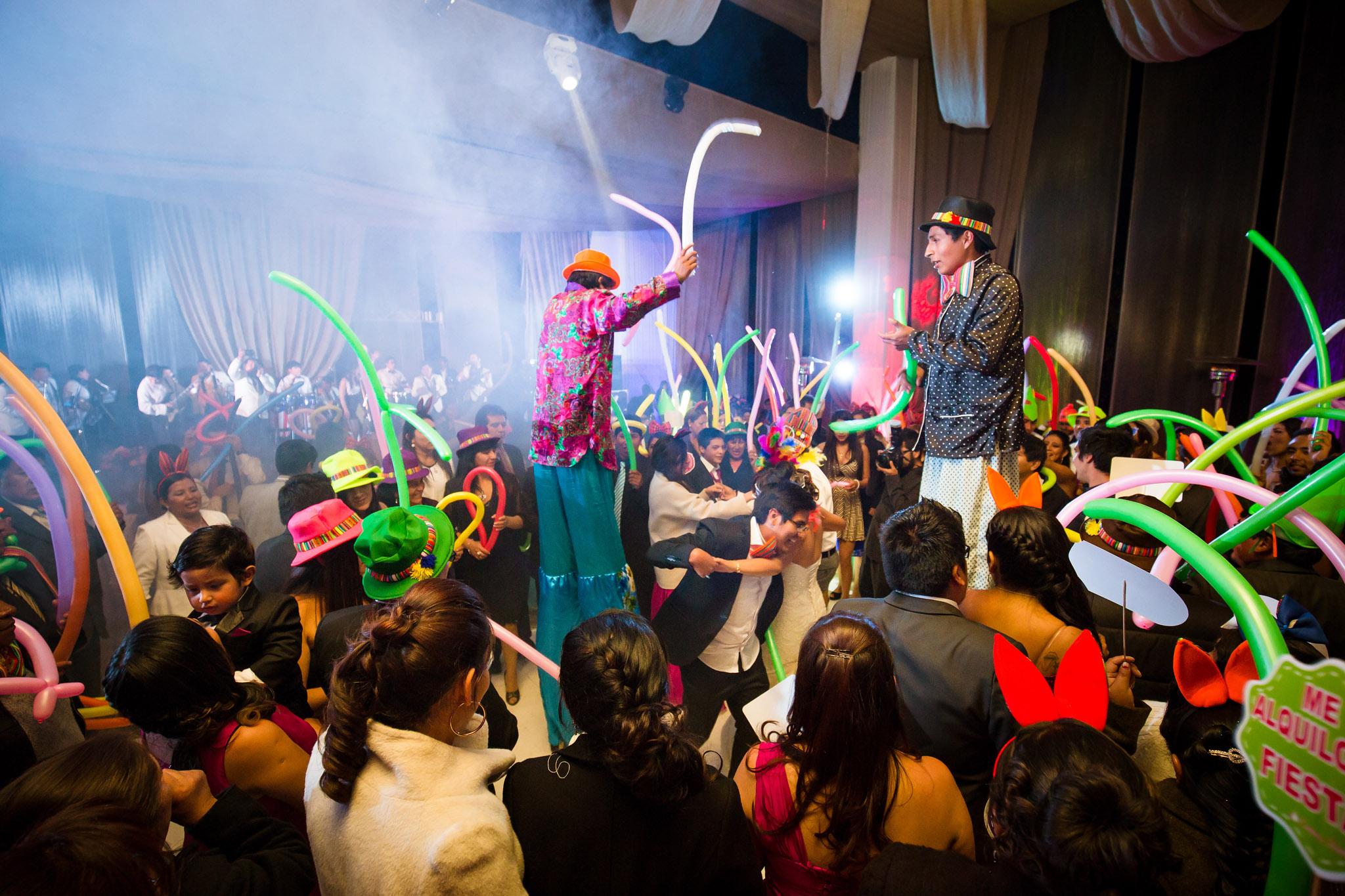 Wedding-Travellers-Destination-Wedding-Peru-Cusco-Hacienda-Sarapampa-Sacred-Valley-party