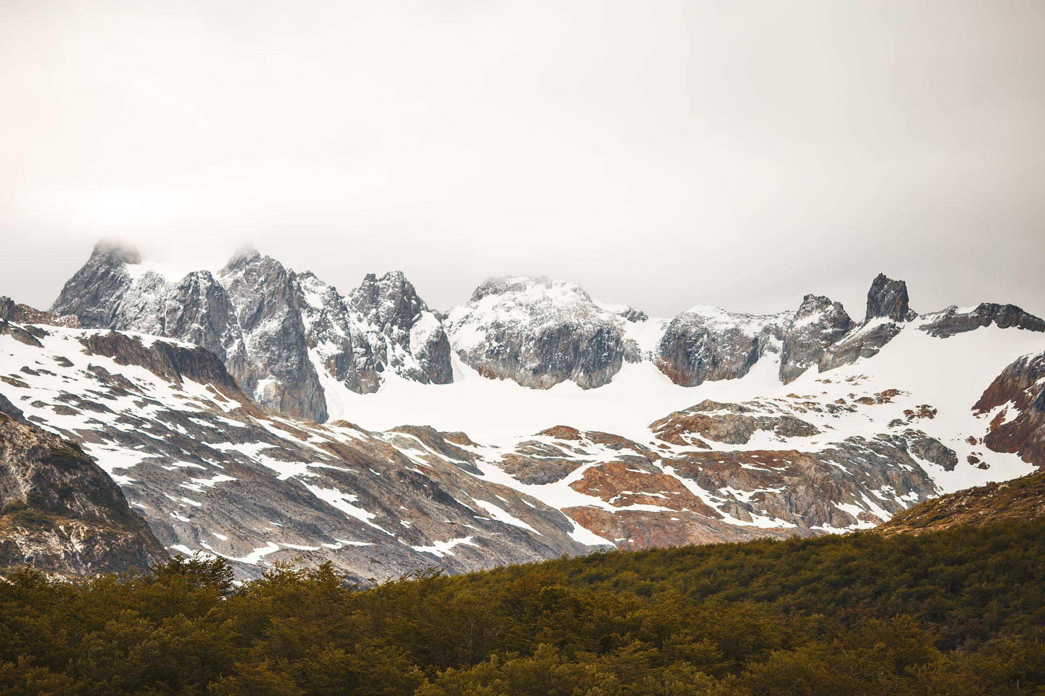 Wedding_Travellers_Ushuaia_Overlanding_fin_del_mundo-laguna-esmeralda-mountains-snow-forest