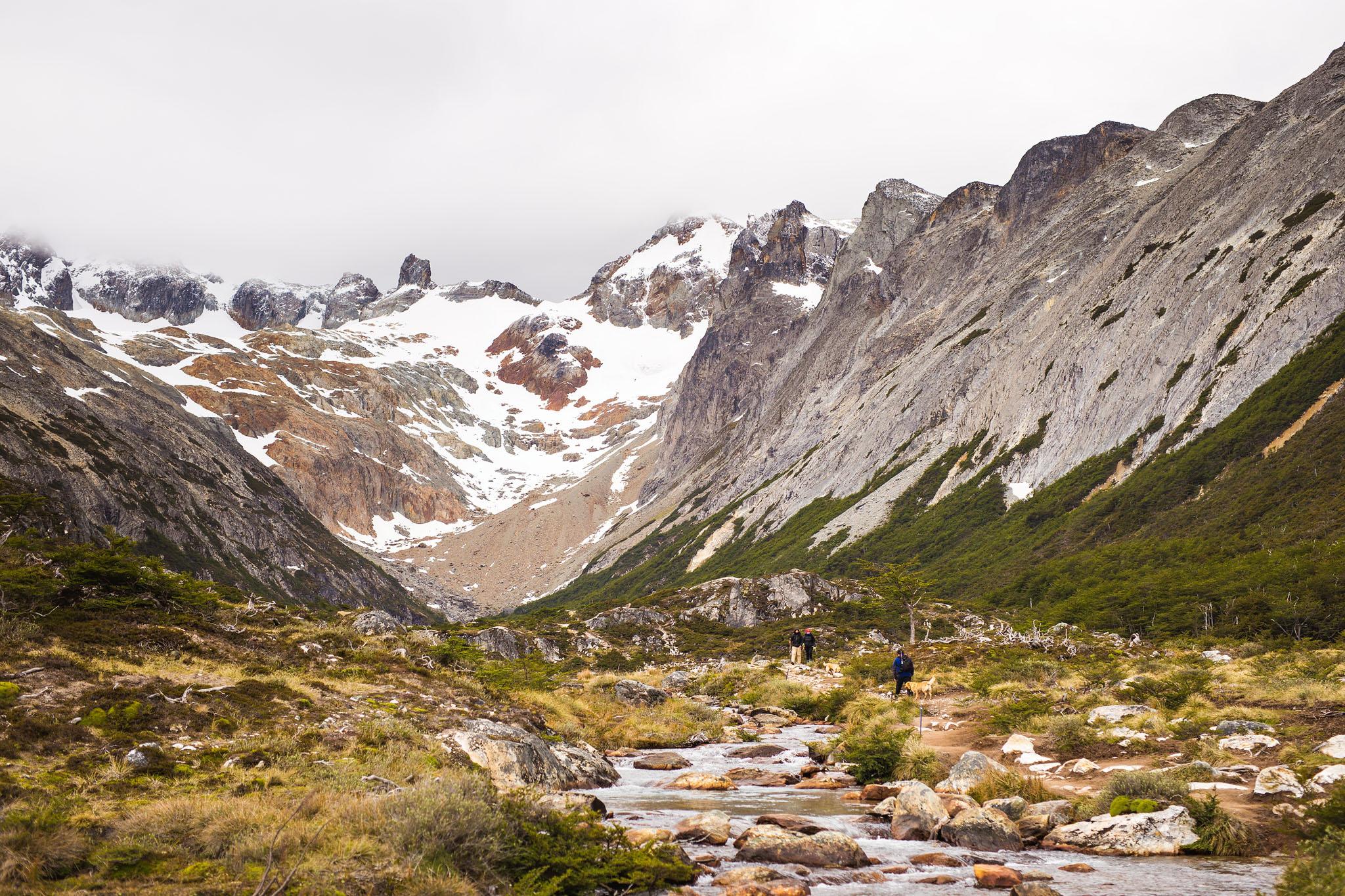 Wedding-travellers-ushuaia-argentina-laguna-esmeralda