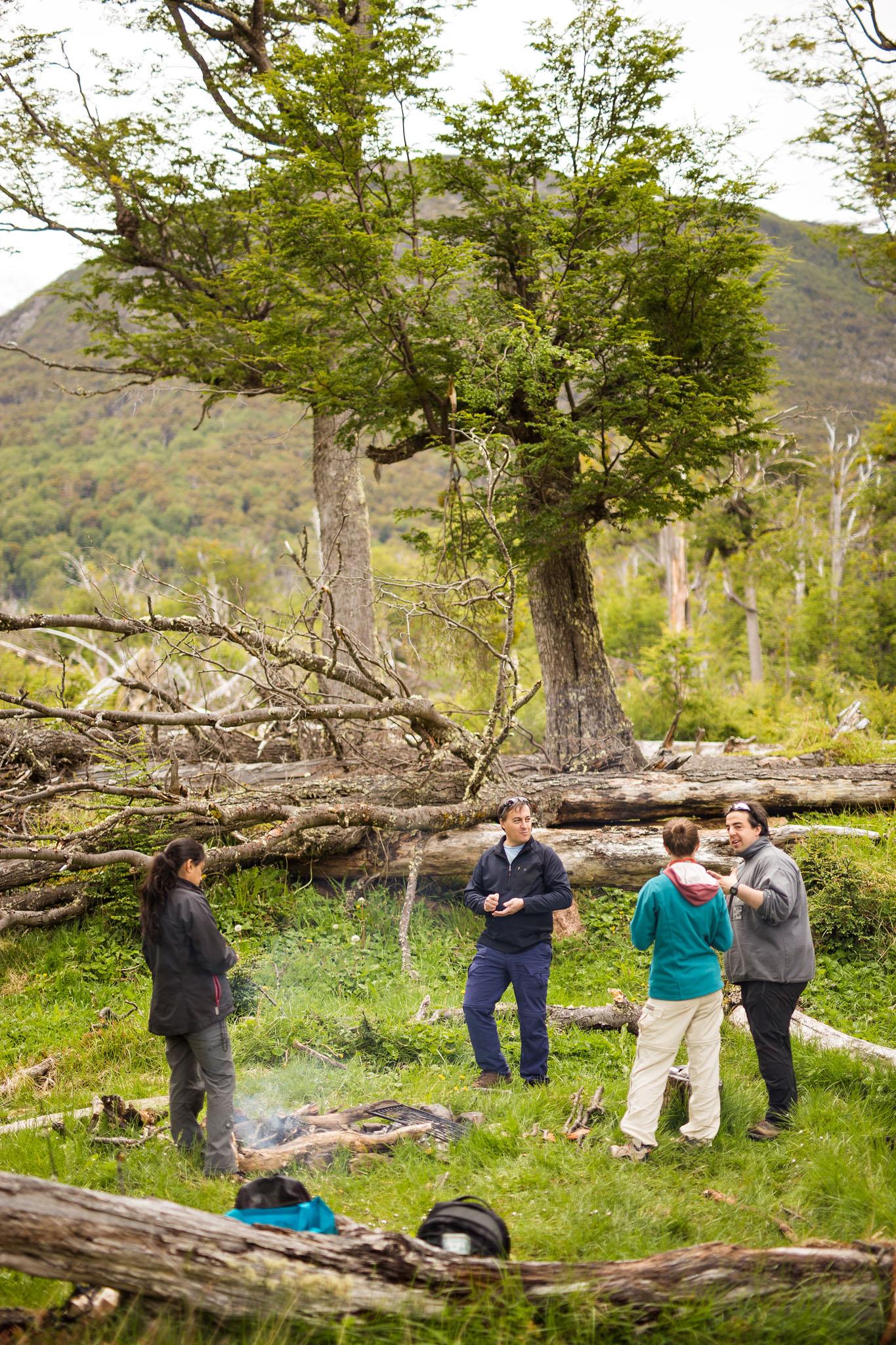 Wedding-travellers-ushuaia-argentina-asado-family-time