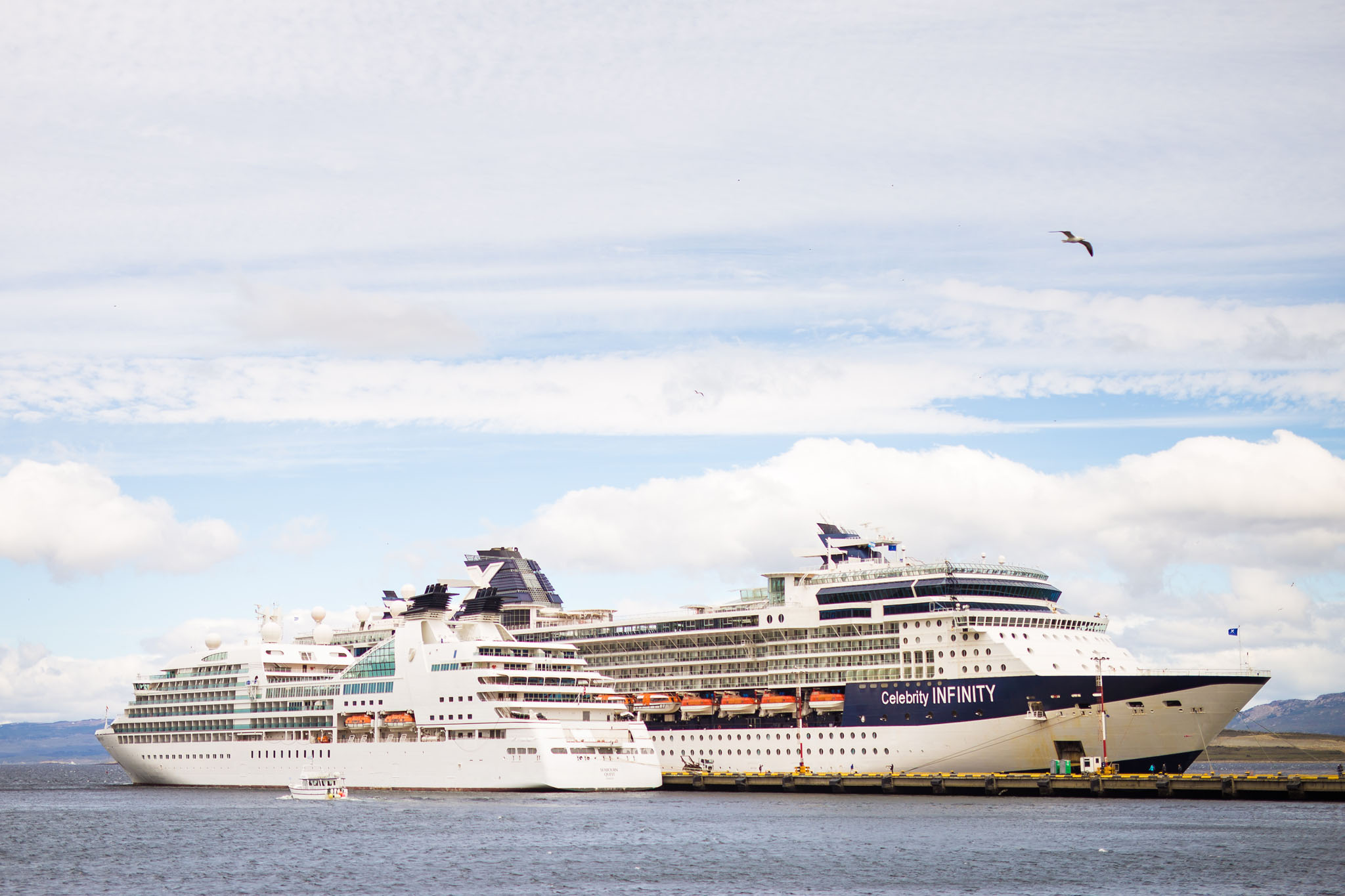 Wedding-travellers-ushuaia-argentina-cruis-tour-ships-antarctica