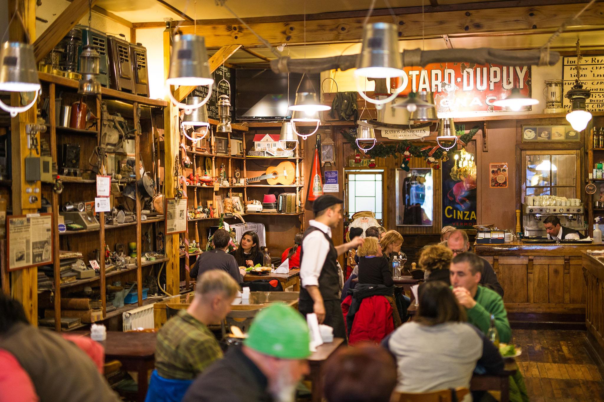 wedding-travellers-tierra-del-fuego-ushuaia-argetina-interesting-famous-old-bar
