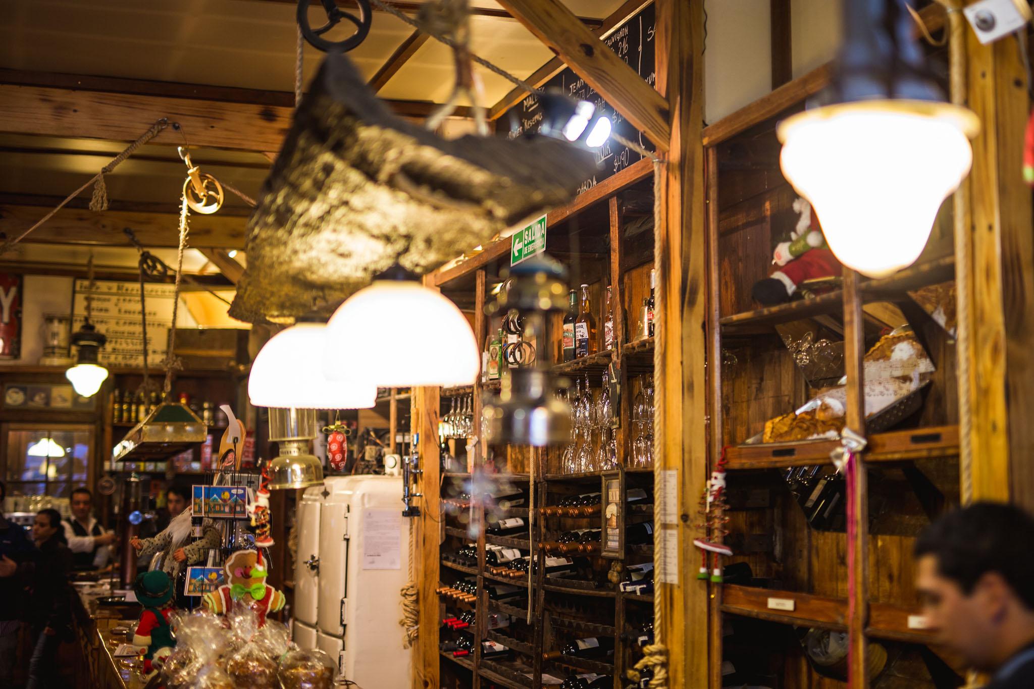wedding-travellers-tierra-del-fuego-ushuaia-argentina-old-bar-decor