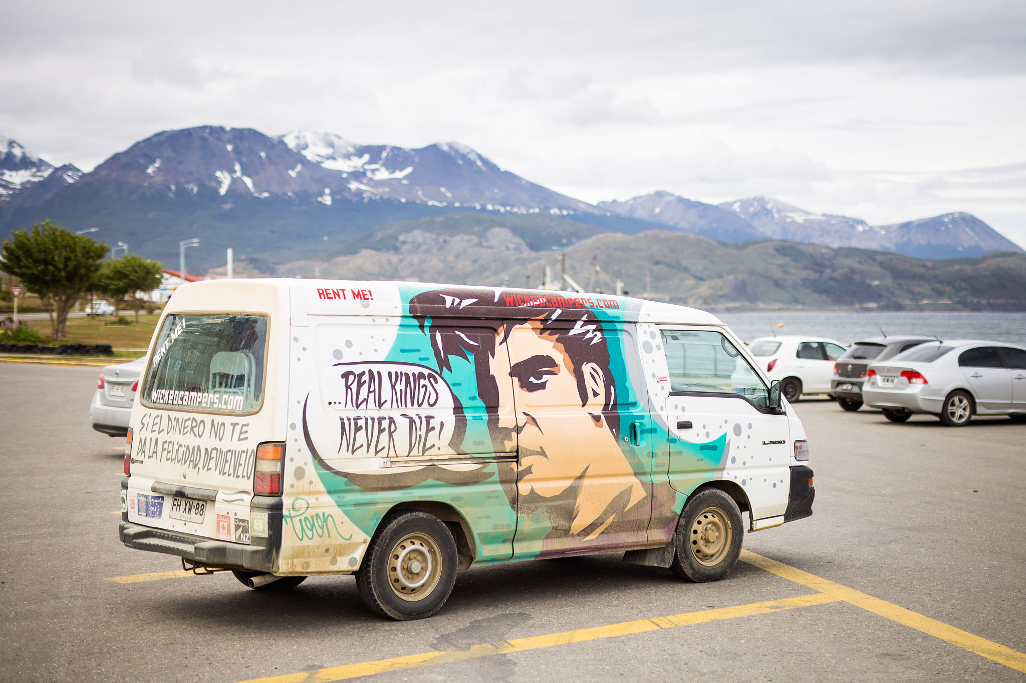 wedding-travellers-tierra-del-fuego-ushuaia-overlanding