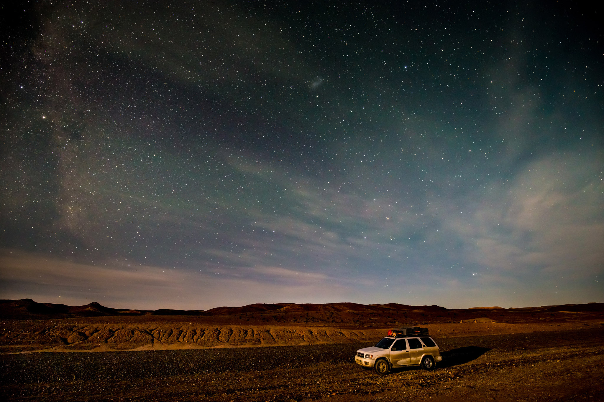 wedding-travellers-argentina-coast-petrified-forest-night-sky-milky-way-incredible-colors-stars