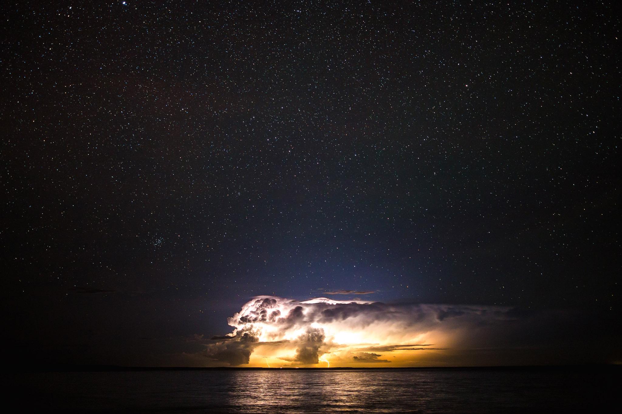 wedding-travellers-argentina-nigh-storm-lightning