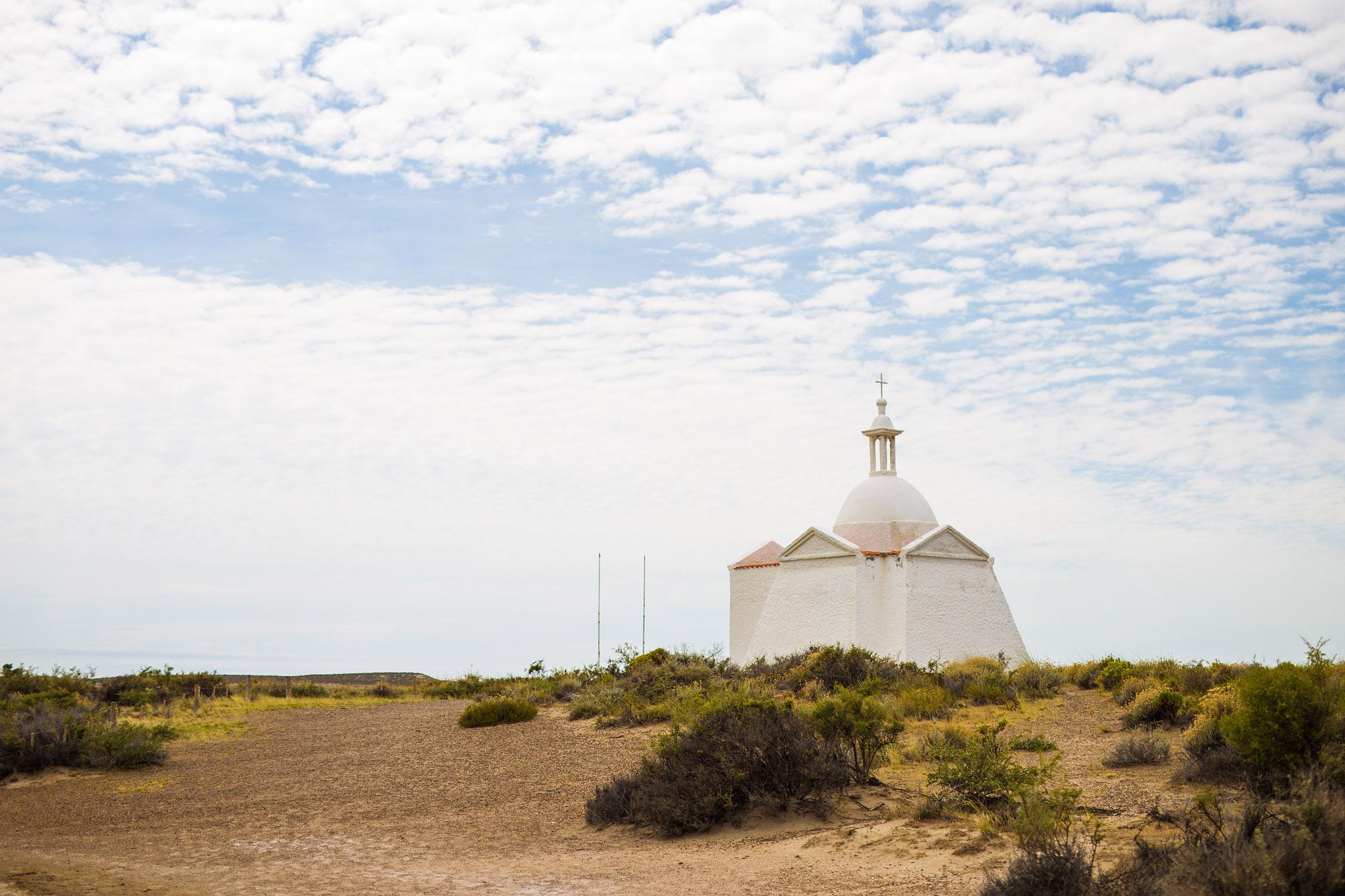wedding-travellers-argentina-peninsula-valdes-church