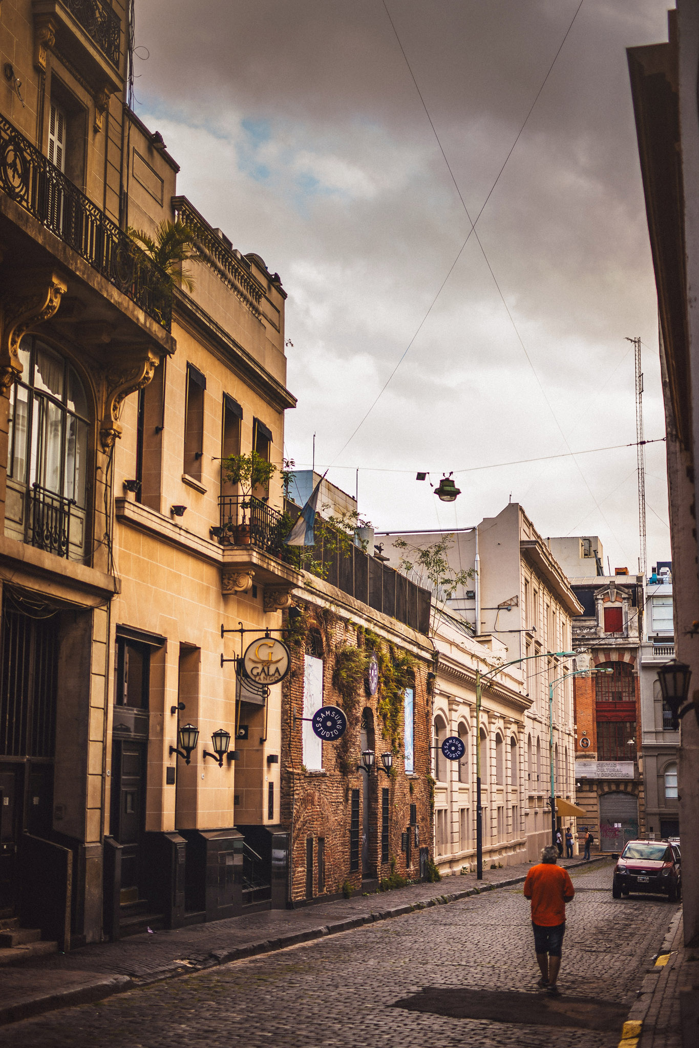 wedding-travellers-buenos-aires-argentina-architecture