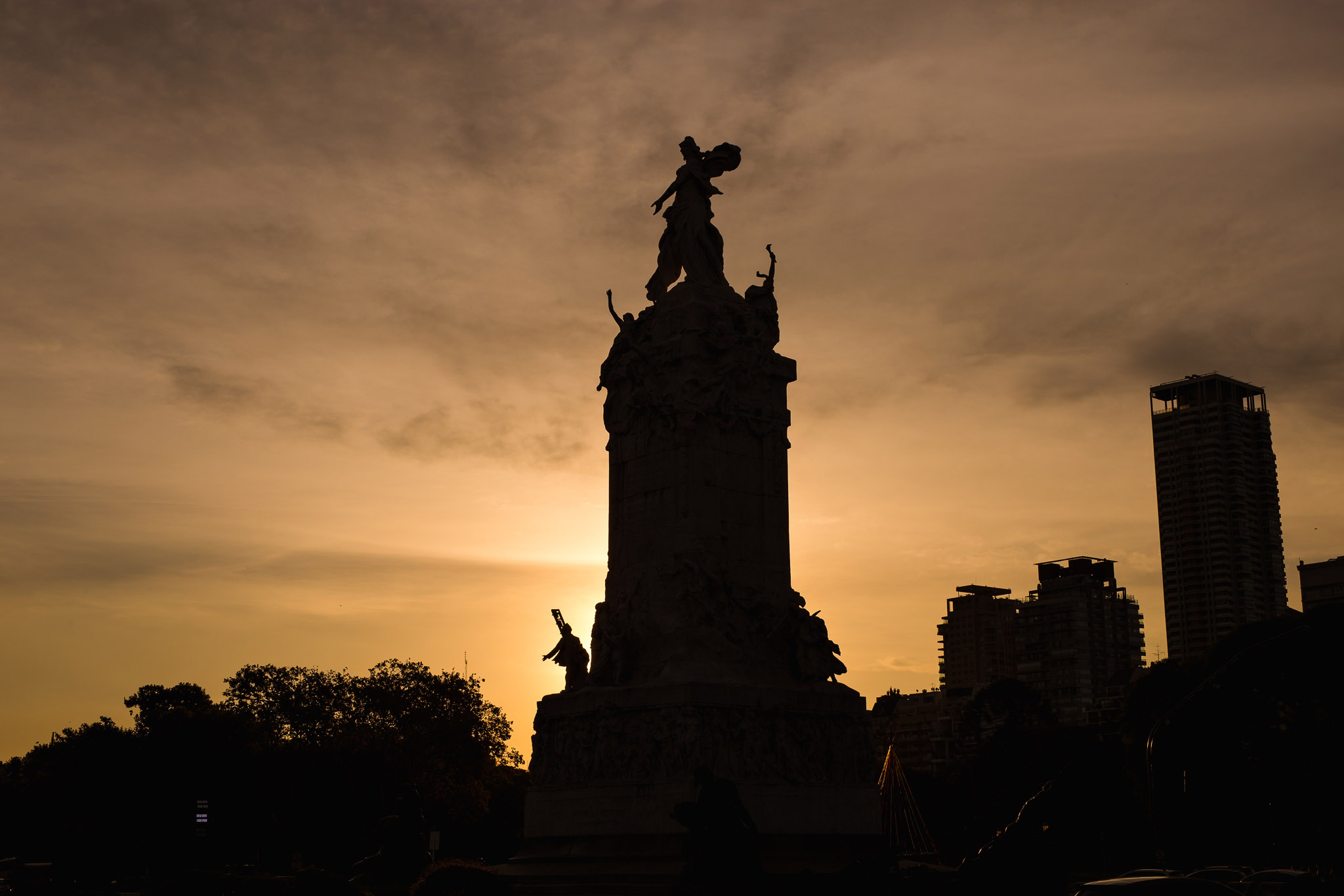 Wedding-travellers-Argentina-Buenos-Aires-Palermo-monument-to-spain