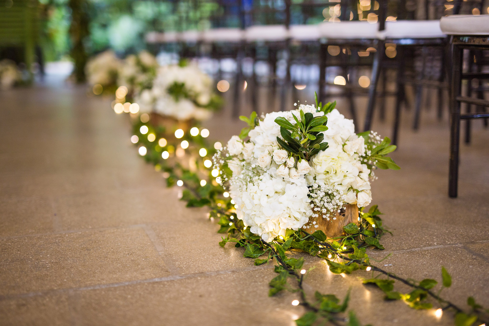 wedding-travellers-destination-wedding-photography-colombia-medellin-chuscalito-decoration-white-rose