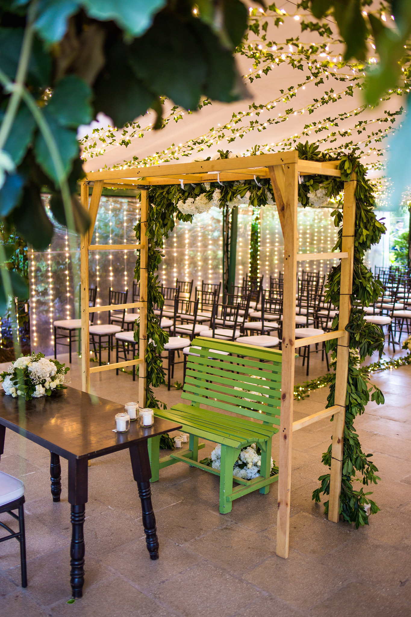 wedding-travellers-destination-wedding-photography-colombia-medellin-chuscalito-bench-romantic