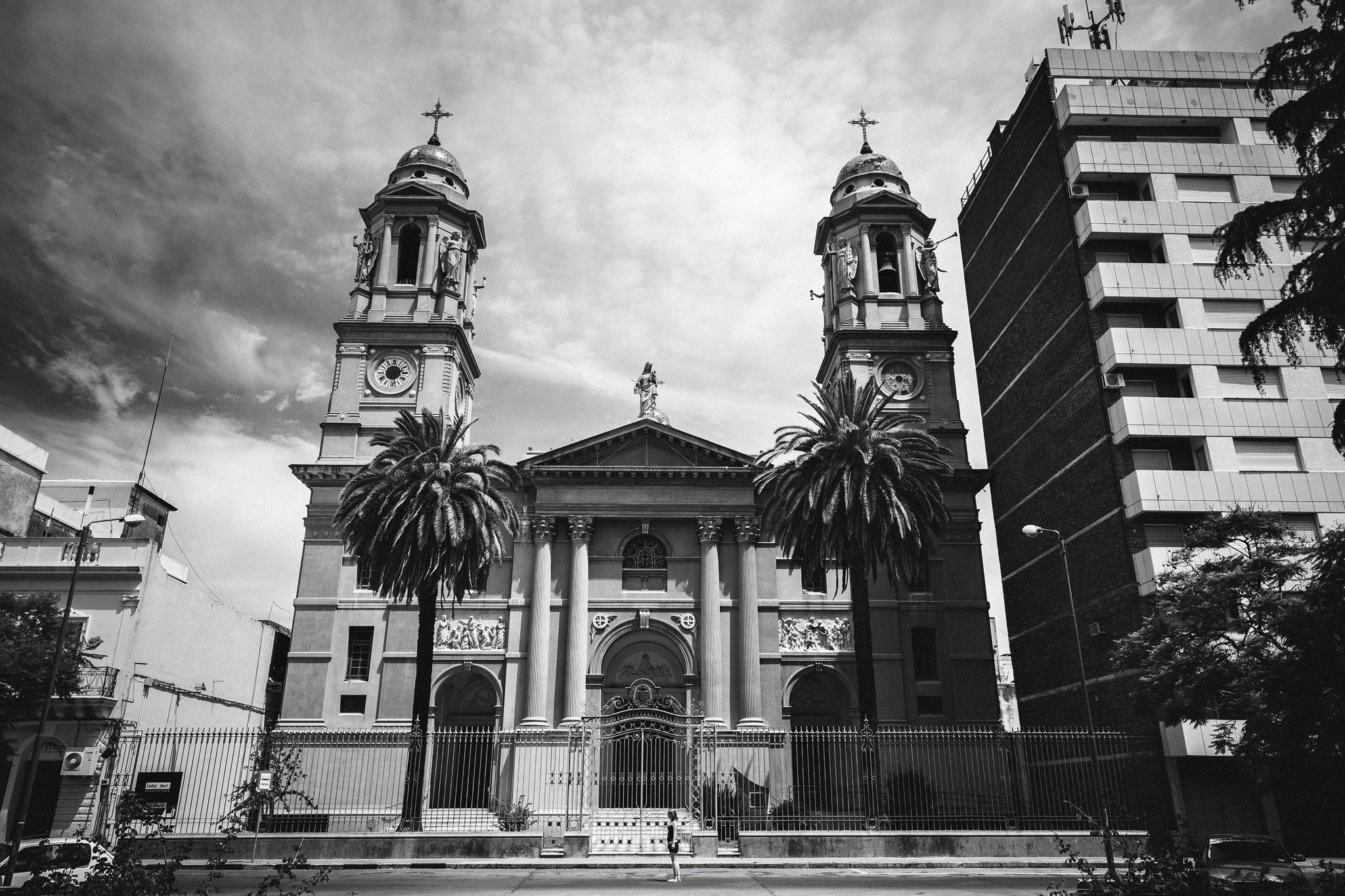 wedding-travellers-destination-photography-overlanding-south-america-uruguay-mercedes
