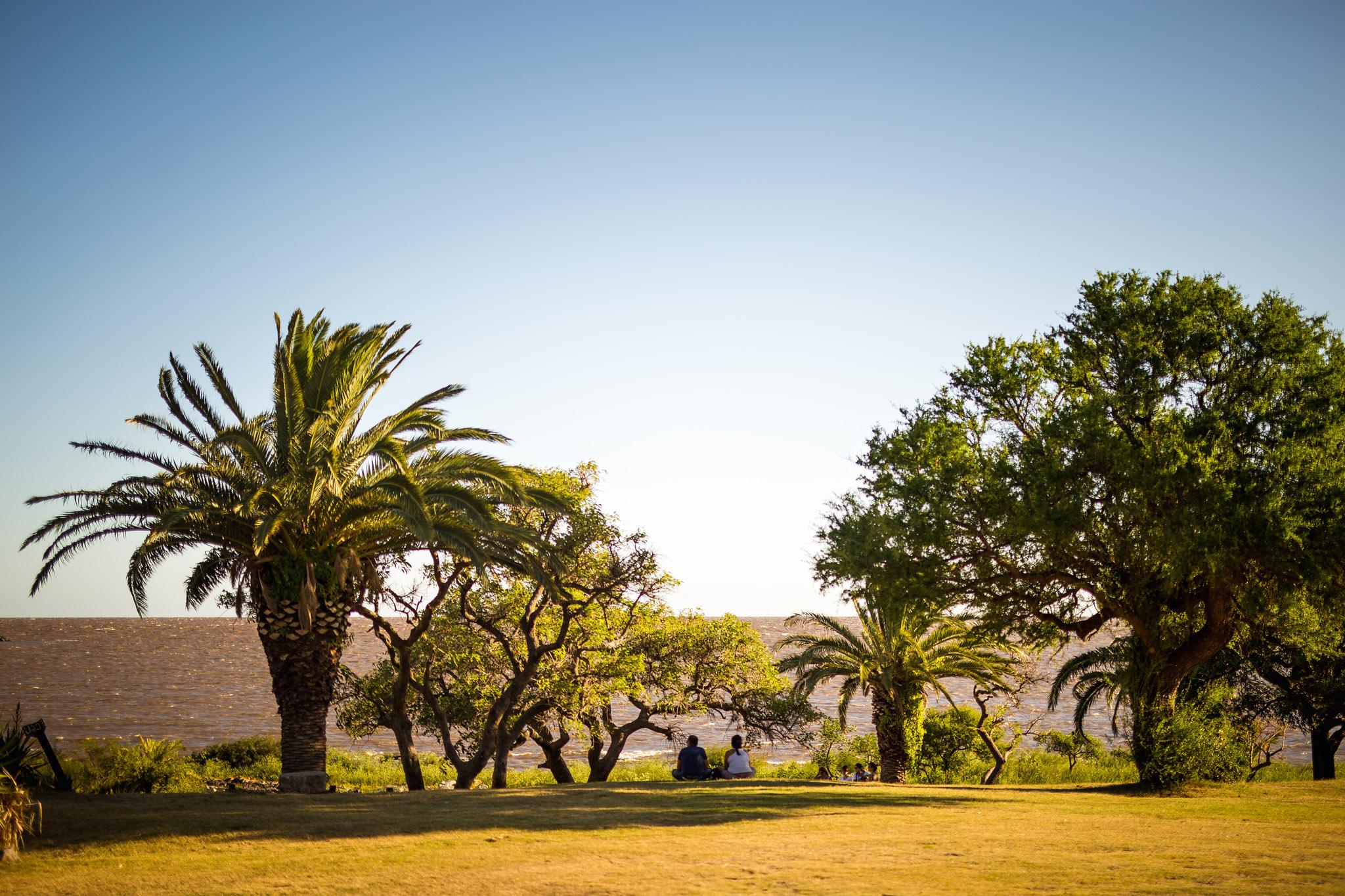 wedding-travellers-destination-photography-overlanding-south-america-uruguay-colonia-del-sacramento
