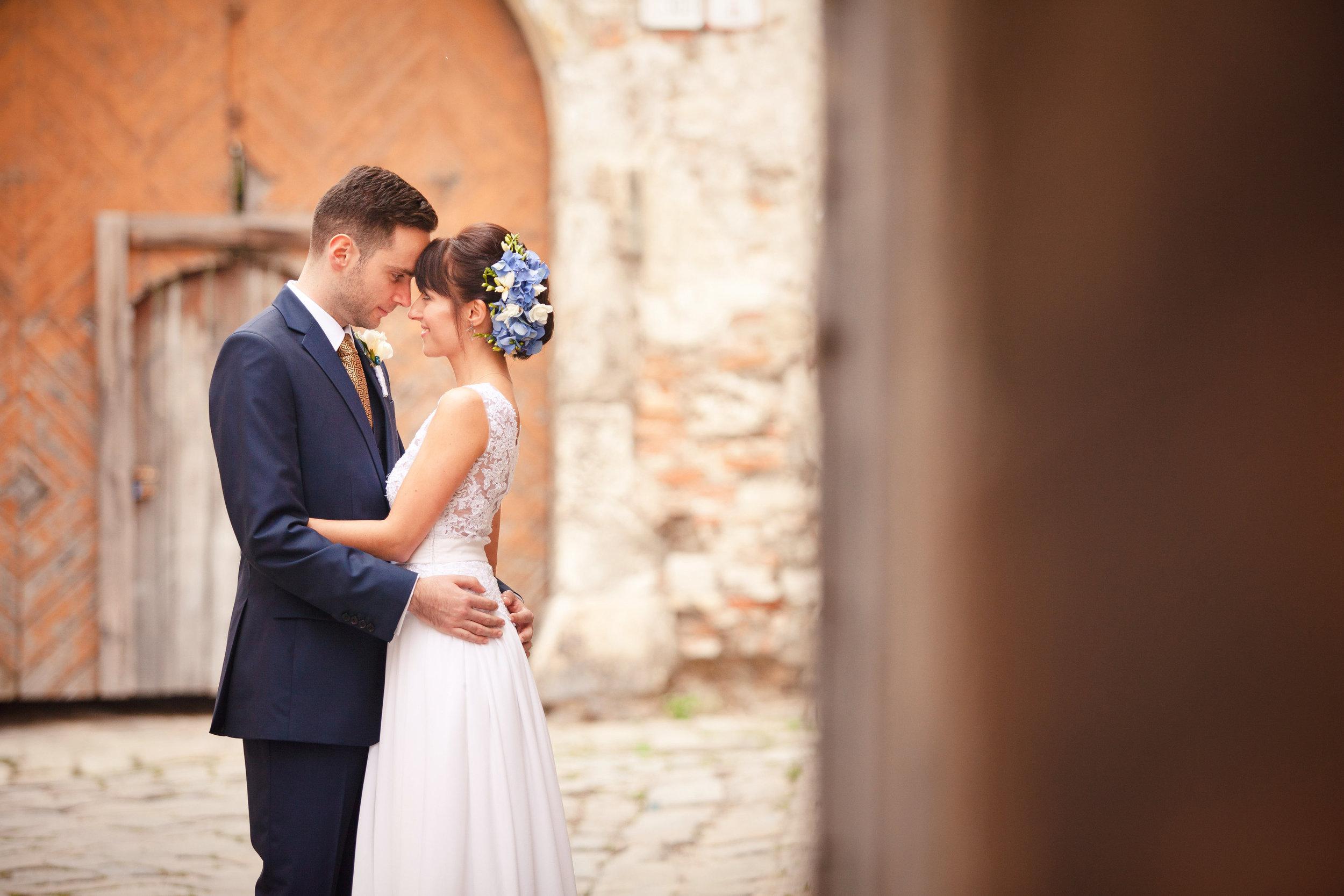 destination-wedding-photographer-bratislava-slovakia-europe-portrait-session-5.jpg