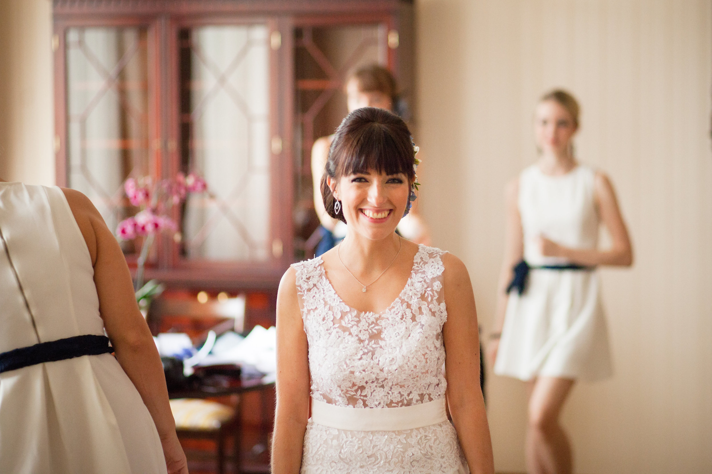 destination-wedding-photographer-bratislava-slovakia-europe-preparation-3.jpg