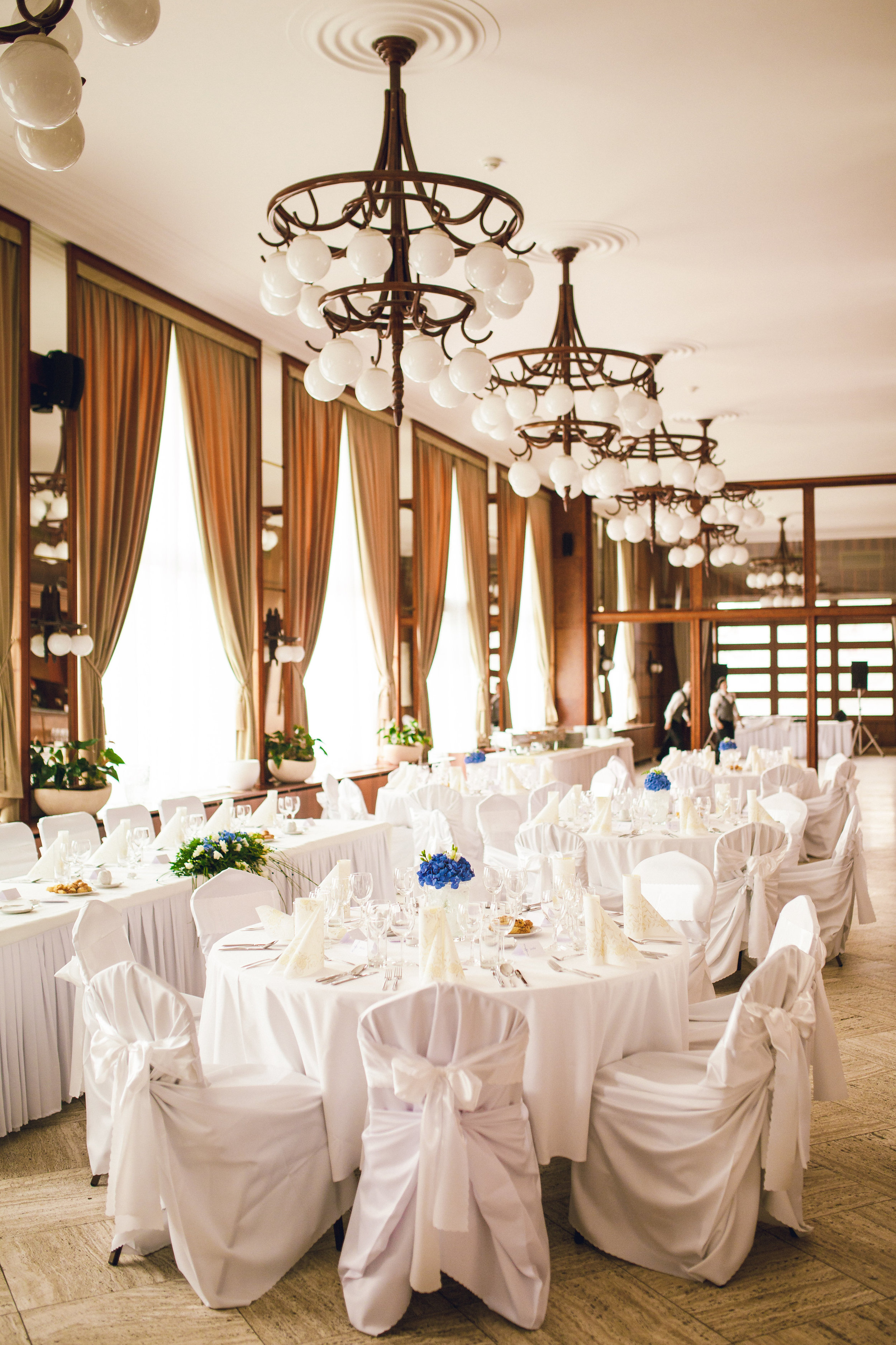 destination-wedding-photographer-slovakia-bratislava-reception-hotel-devin-1.jpg