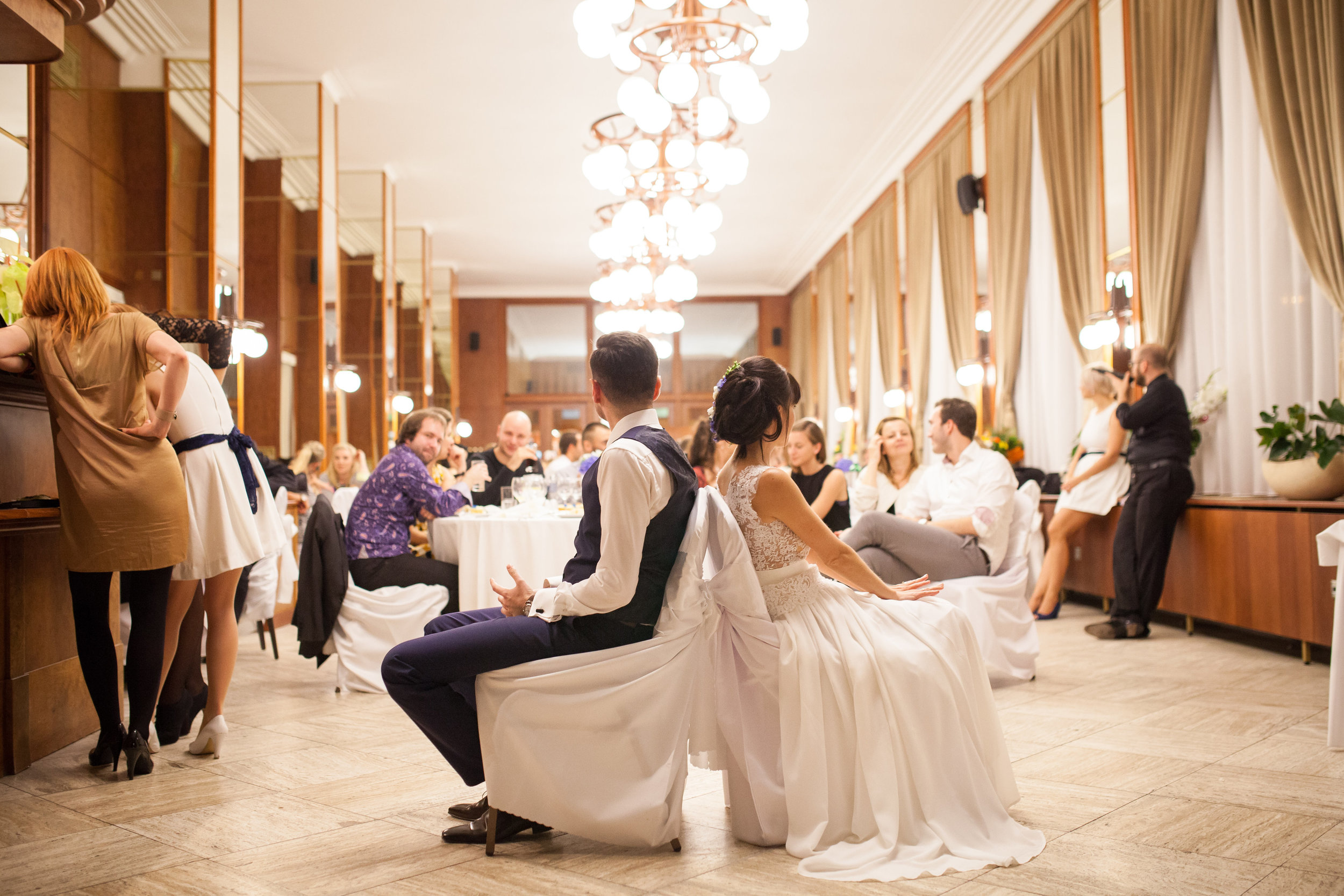 destination-wedding-photographer-slovakia-bratislava-hotel-devin-reception-game.jpg