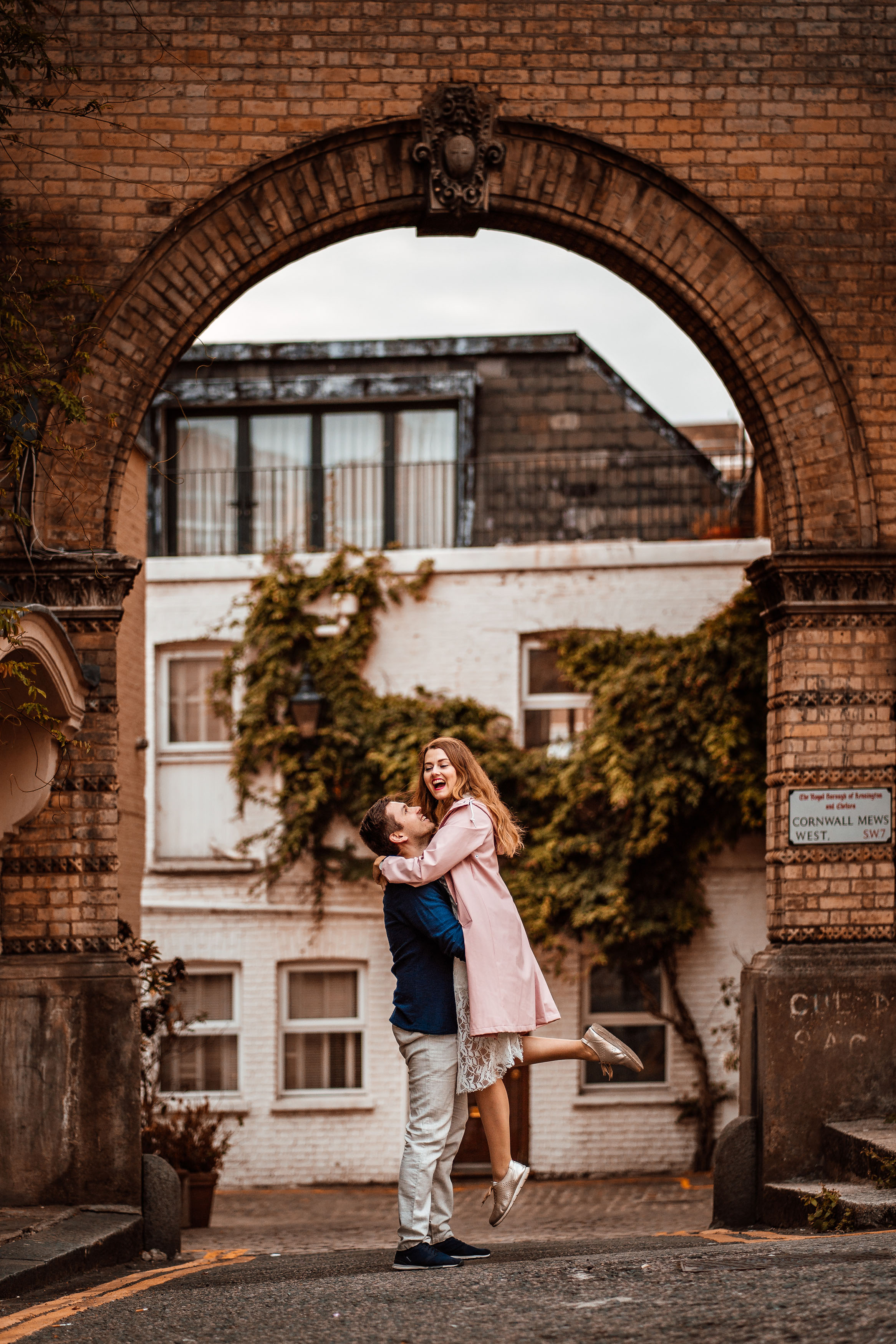 Destination_Wedding_London_Engagement_Session_Photographer-67.jpg