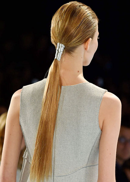 hbz-fw2015-hair-trends-low-ponytail-herrera-clp-rf15-0065_1.jpg