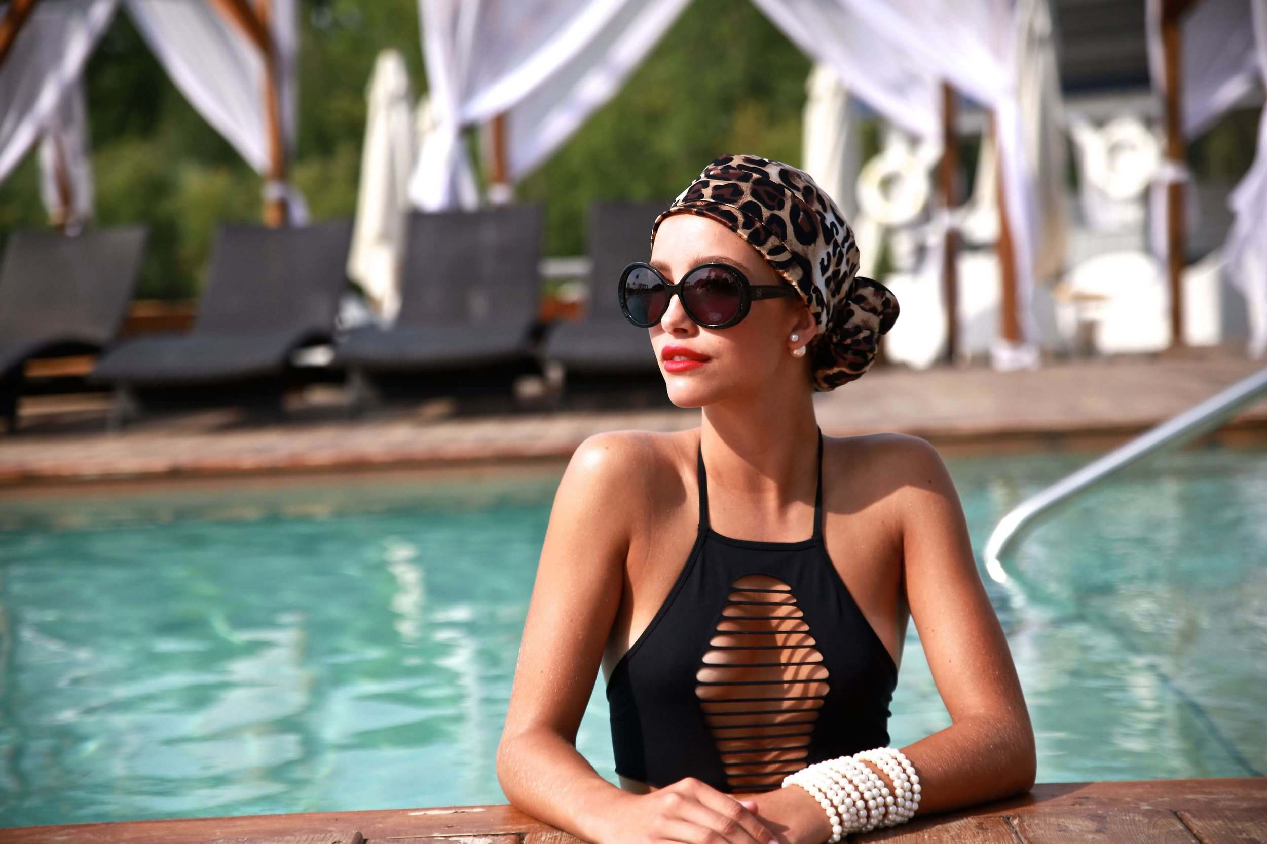 HADRY:  The Ultimate fashion beach accessory that protects your head & hair