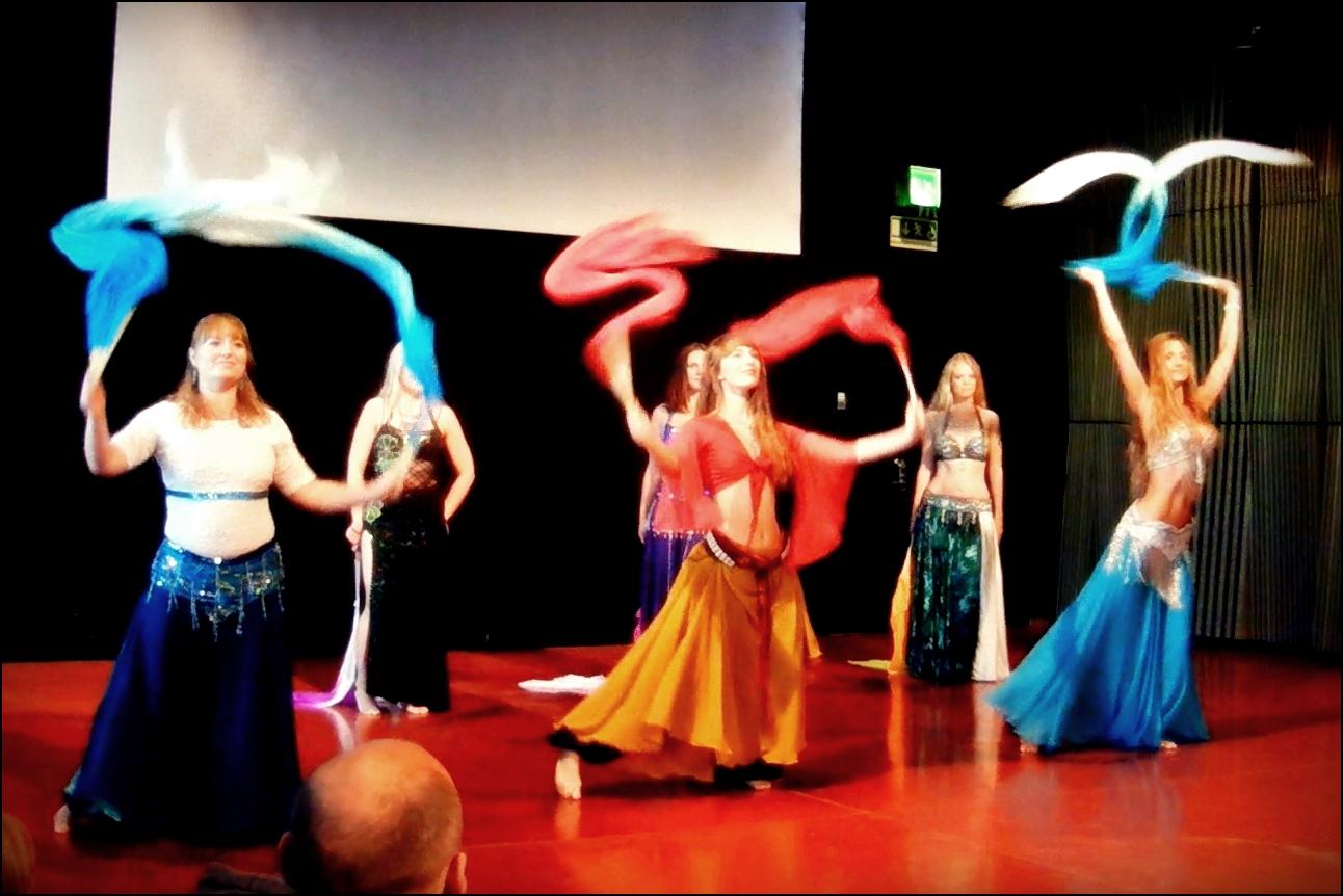 Maria Oriental - Blog - September 2015 - Uppsala Danscenter, fan veil