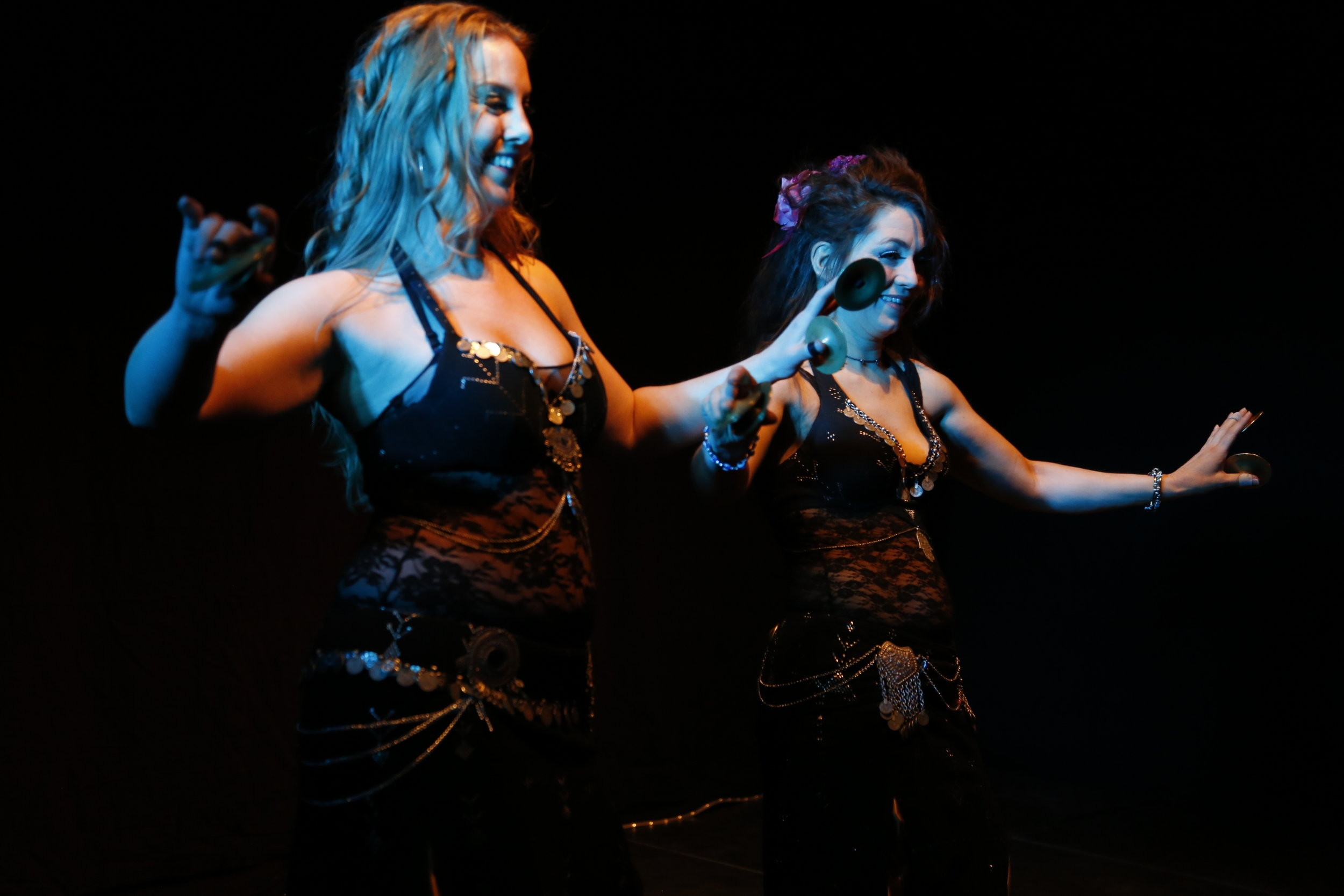 Maria Oriental & Ülkü - Belly Dance at Jugal Bandhi show at the Museum of Far Eastern Antiquities. Stockholm, December 2015.