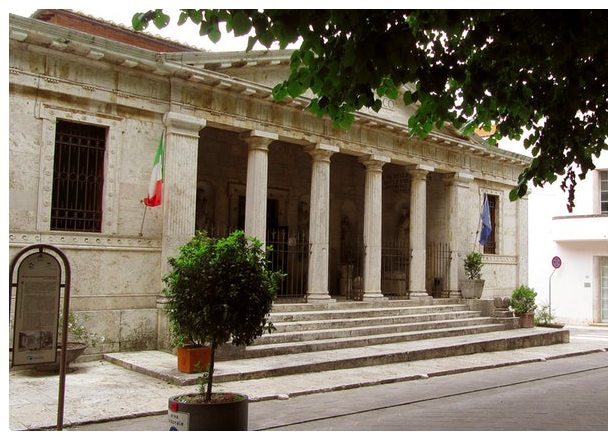 The Etruscan museum: just around the corner from our apartment.