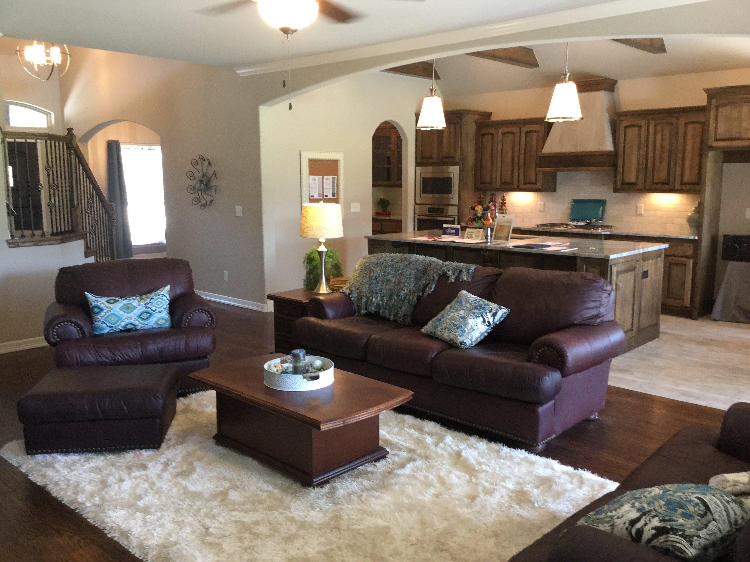 3201 w delmar_living room.JPG