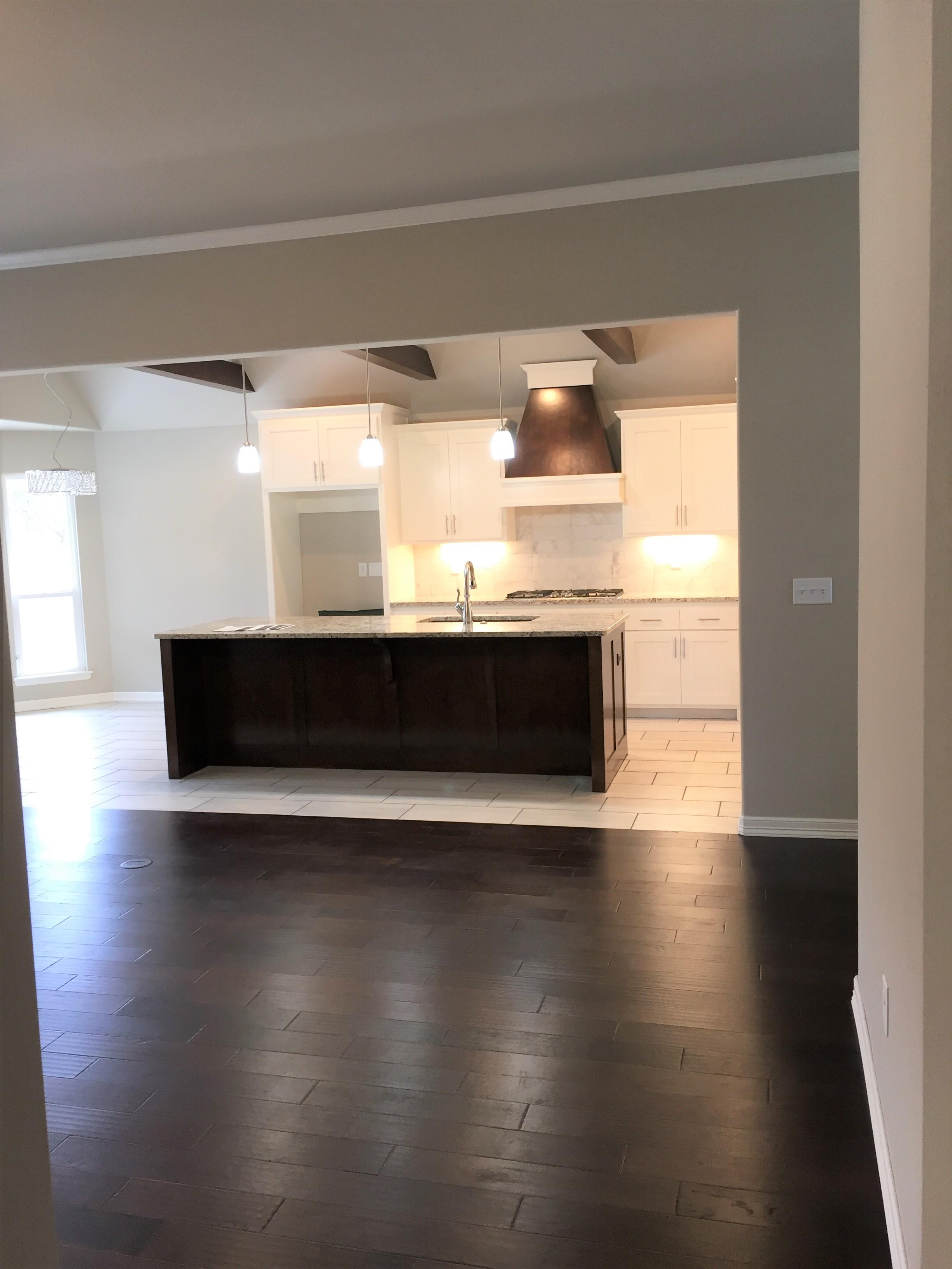 2917 kitchen 4.jpg
