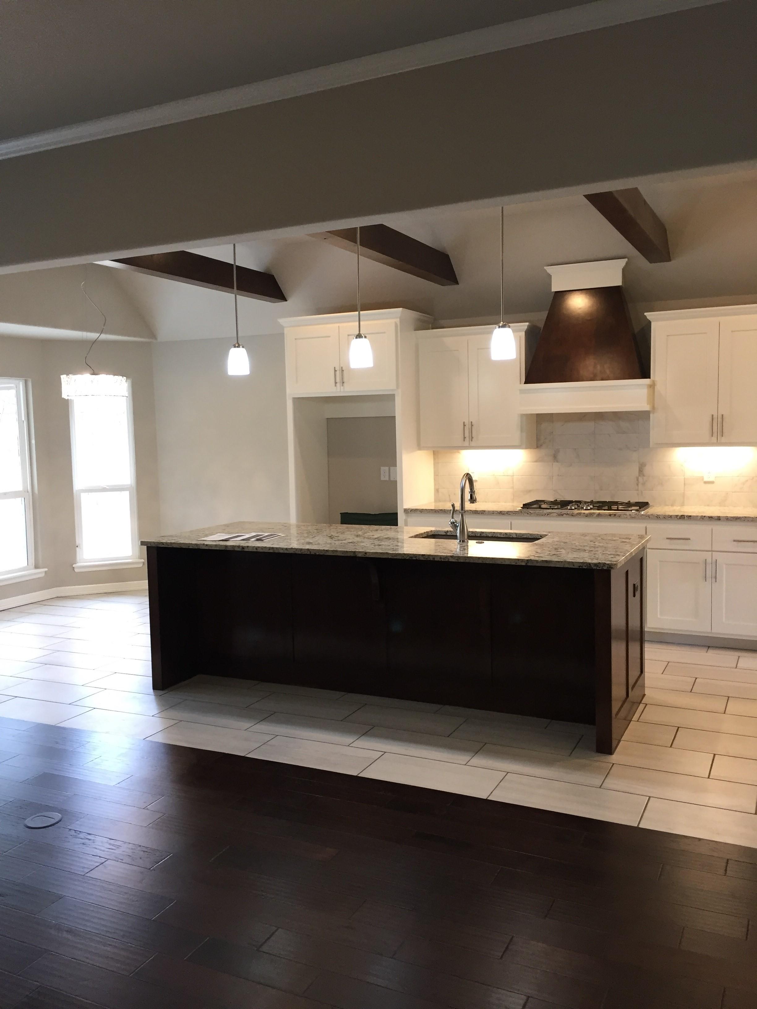 2917 kitchen.jpg