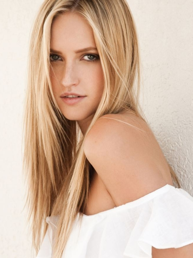 Polina - Height: 5'9Origin: RussiaBio: Talented model with a bubbly and infectious personality.