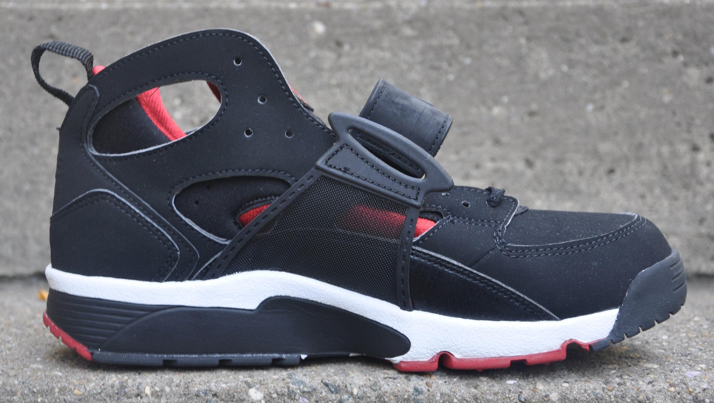 Nike Air Trainer Huarache Black / Red