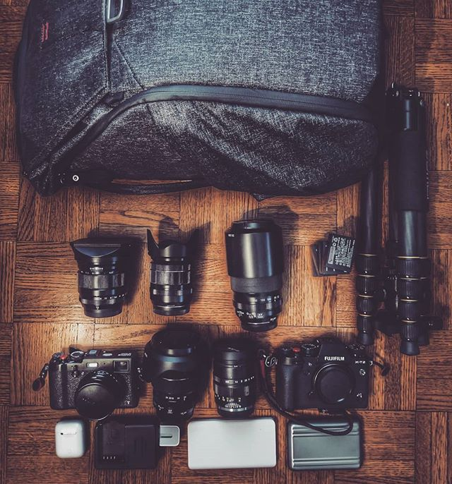 What's in your bag ?  #fujixt2 #fujix100t #xf1024  #xf16mm  #xf1855mm  #xf55200  #mitakon35mmf095  #carbonfibertripod  #peakdesign  #everydaybackpack  #whatsinmybag  #cameraporn  #xphotographer  #fujilove  #nomad  #travelwithme  @peakdesign  @fujifilm_northamerica