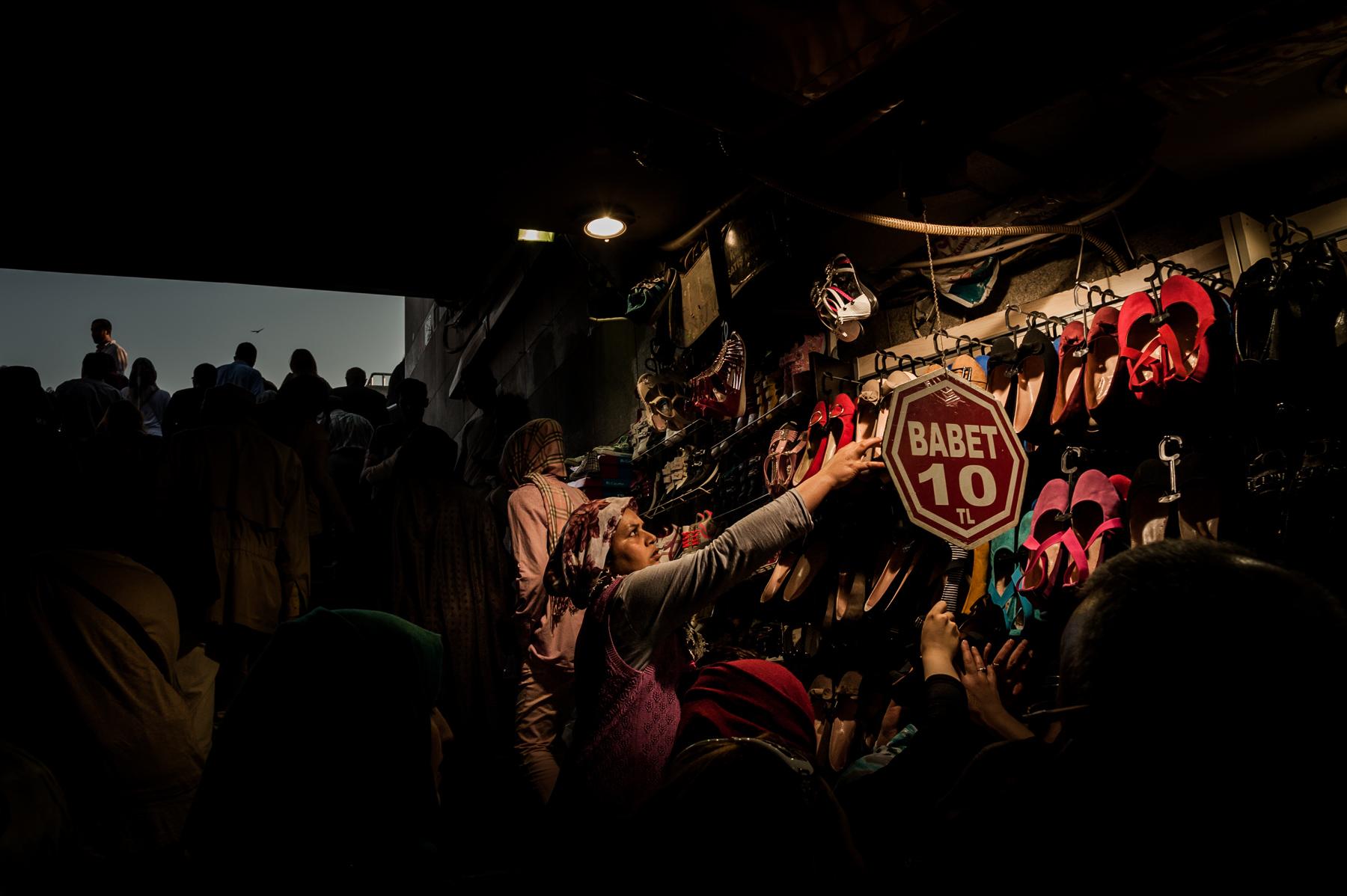 Turkey_tunnel_bazaar_darklight.jpg