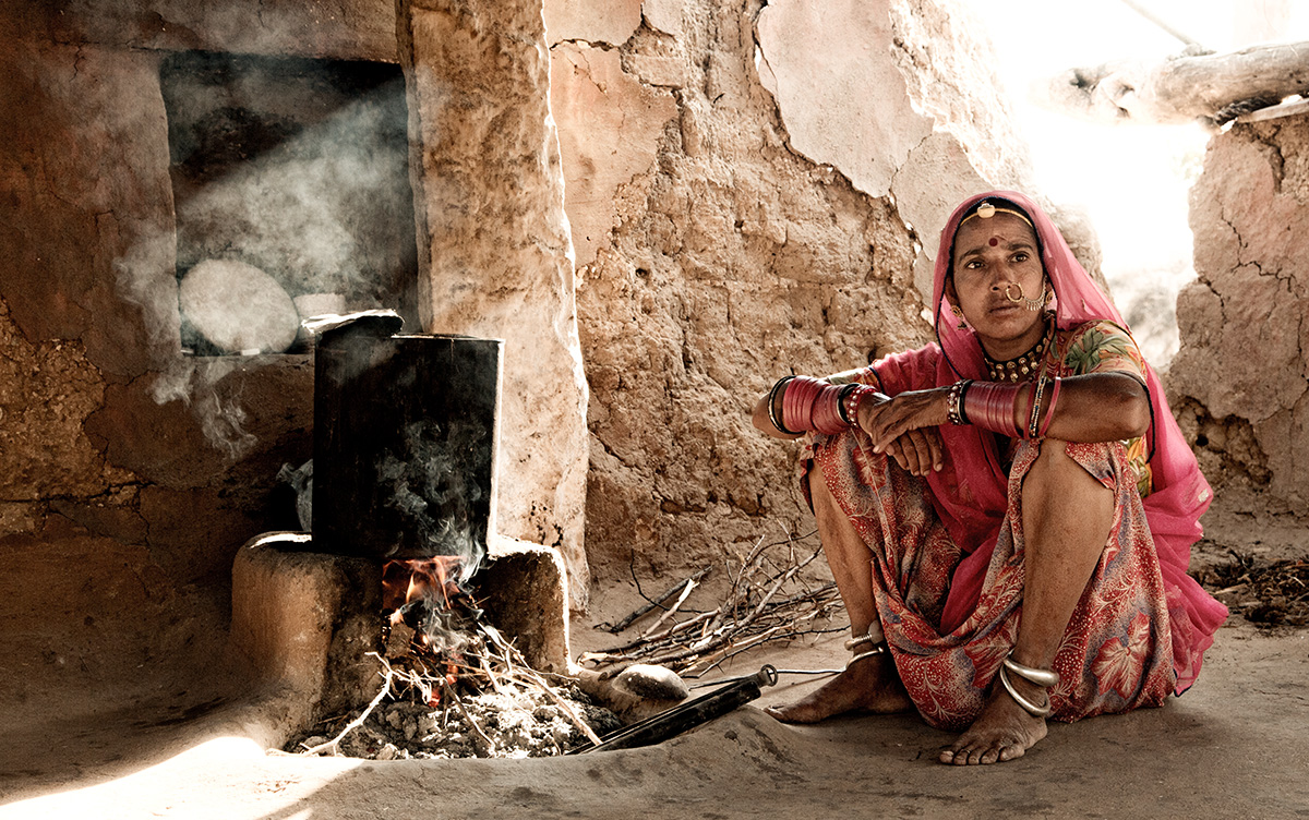 JodhpurVillageWomanFire_1200_web.jpg
