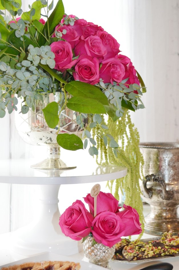 I seriously cannot get enough of these flowers from    EightTreeStreet Floral Design