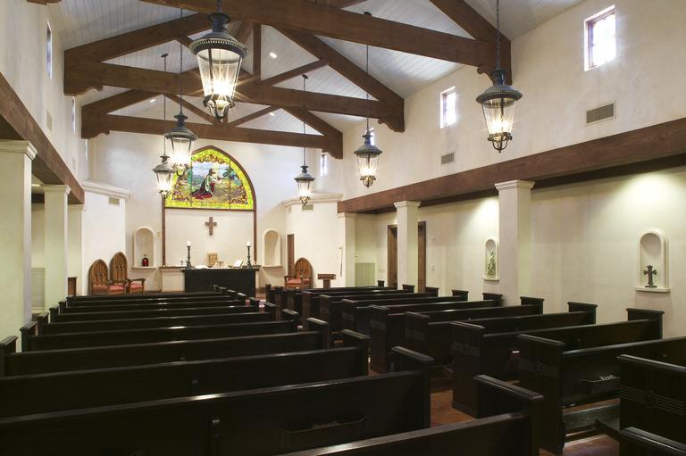 chapelinteriorside.jpg