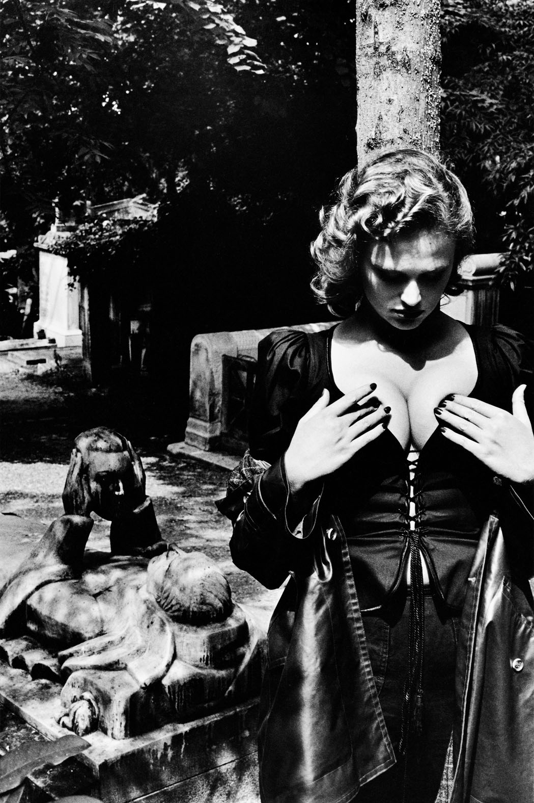 Helmut Newton - Fashion Yves Saint Laurent (Père Lachaise_Paris 1977) copyright Helmut Newton Estate