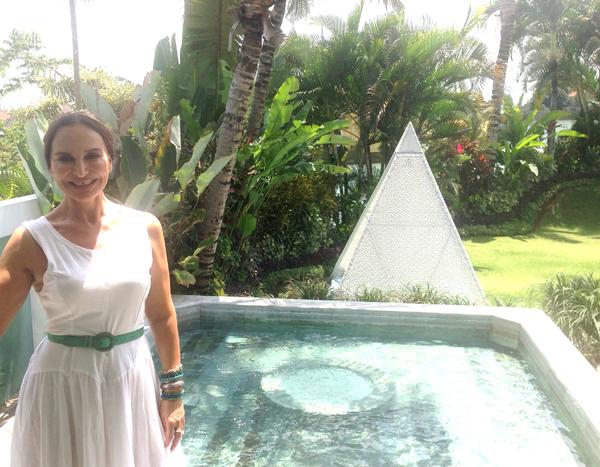 Gina, pyramide & water_0394.jpg