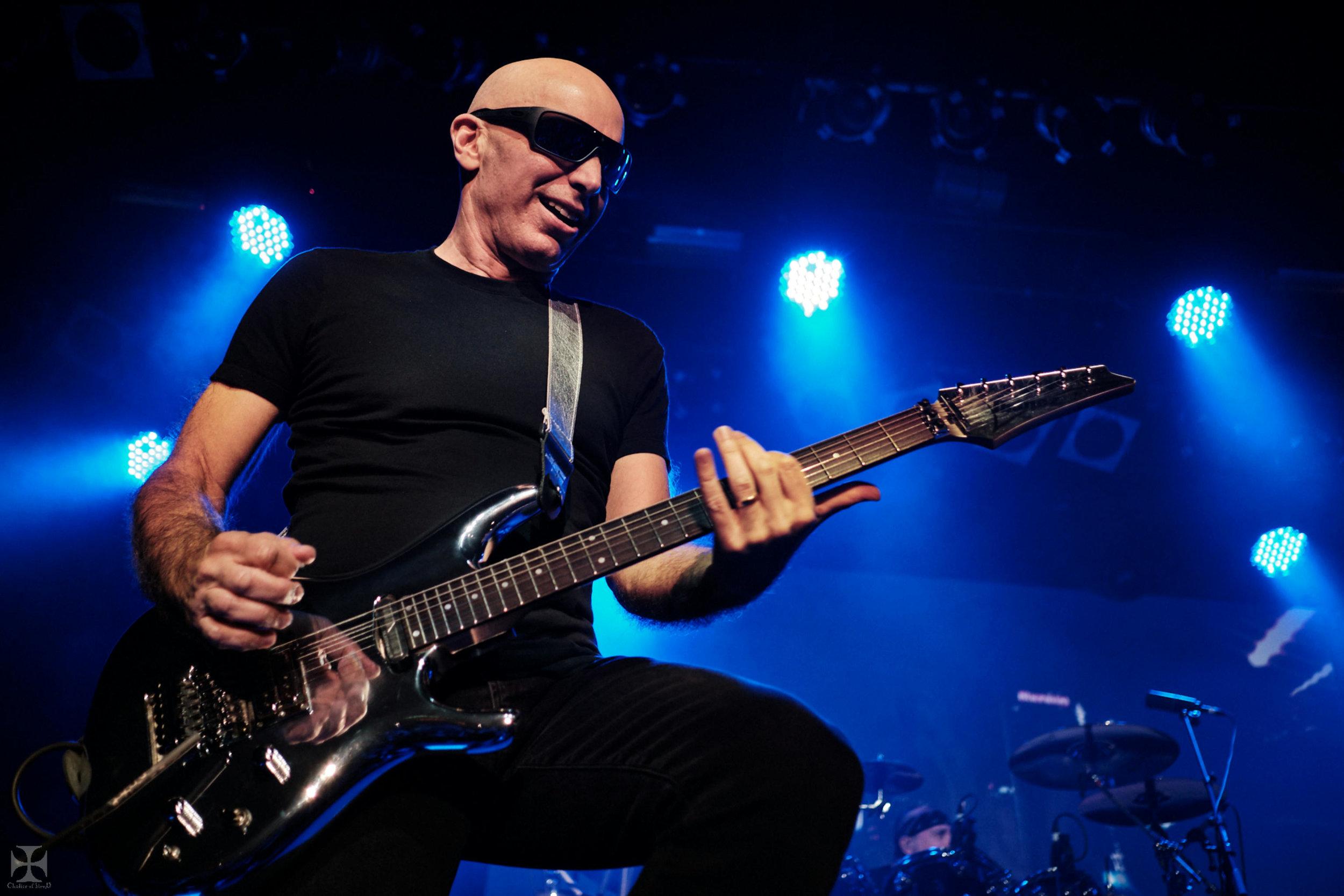 2018.12.04 Joe Satriani - DSC21253_branded.jpg