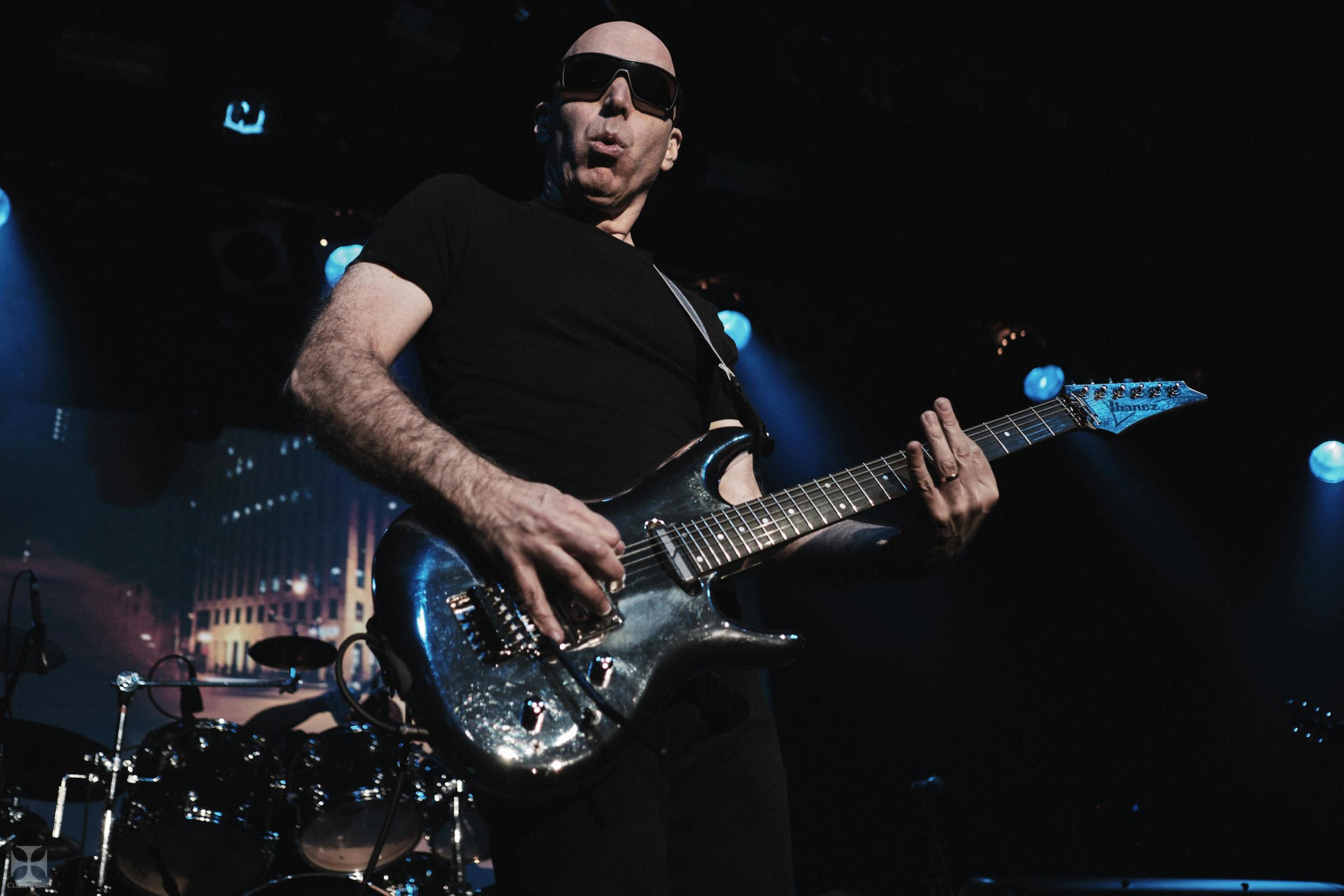 2018.12.04 Joe Satriani - DSC21304_branded.jpg