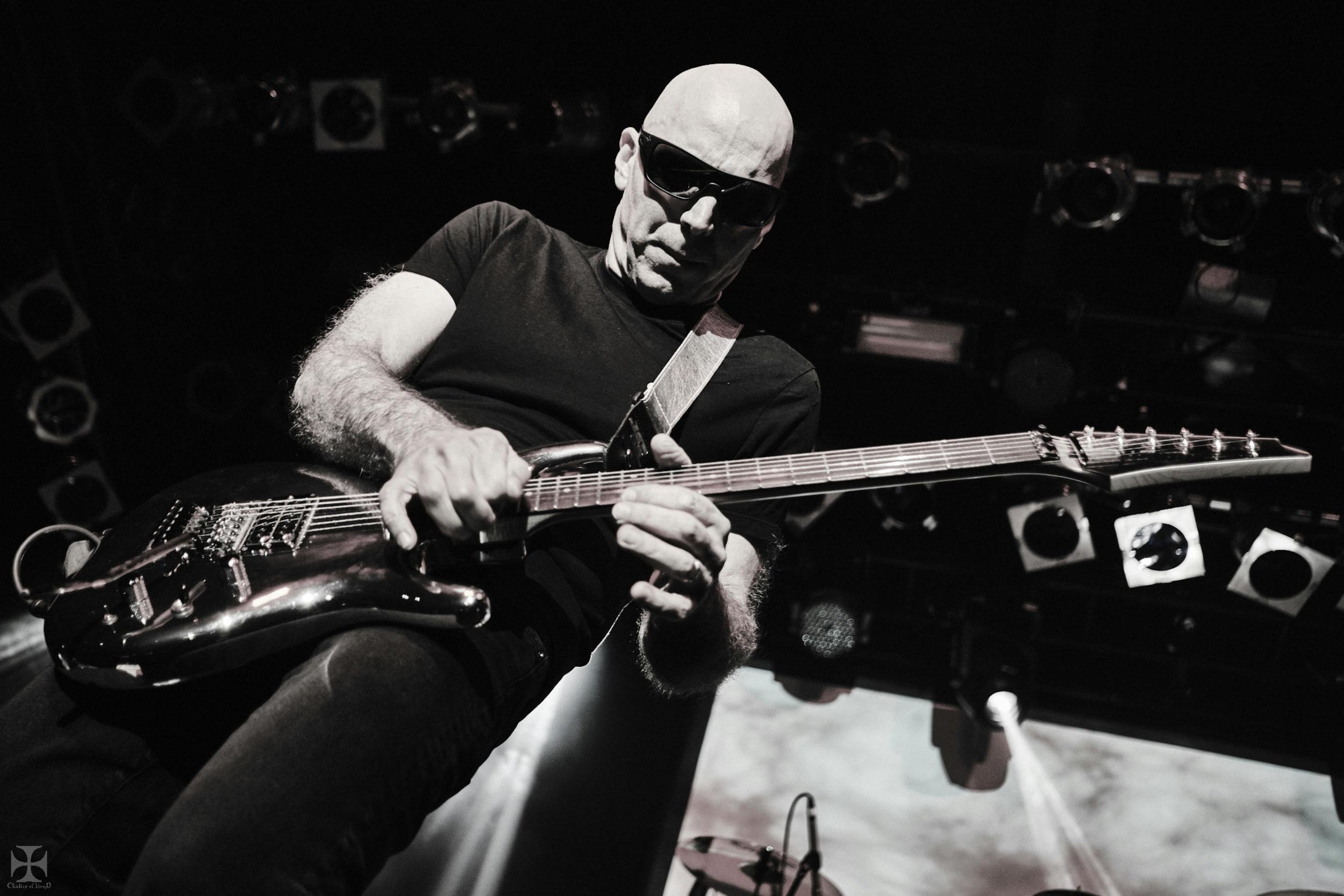 2018.12.04 Joe Satriani - DSC21332_branded.jpg