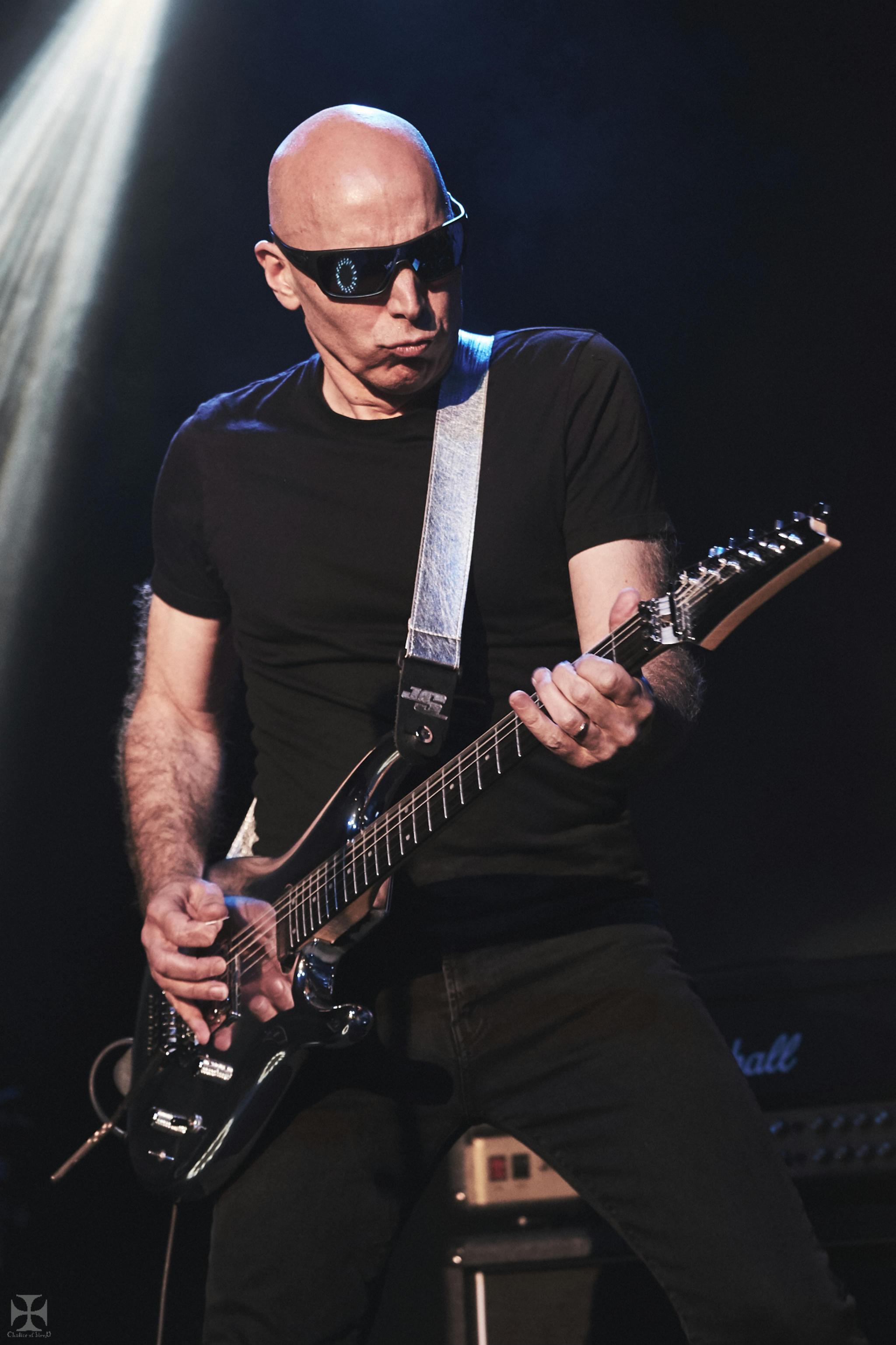 2018.12.04 Joe Satriani - DSCF6858_branded.jpg