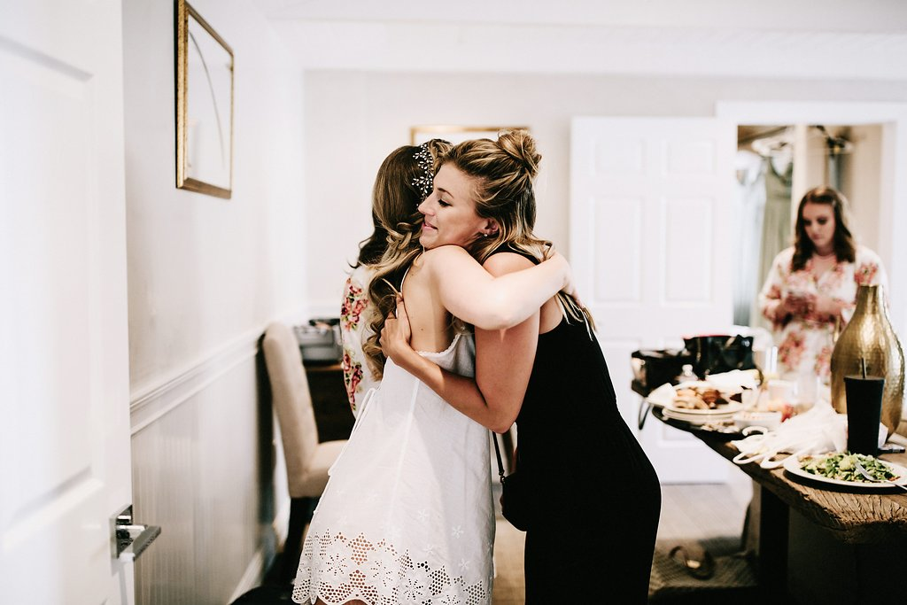 Sweet moments with the bride before the ceremony!