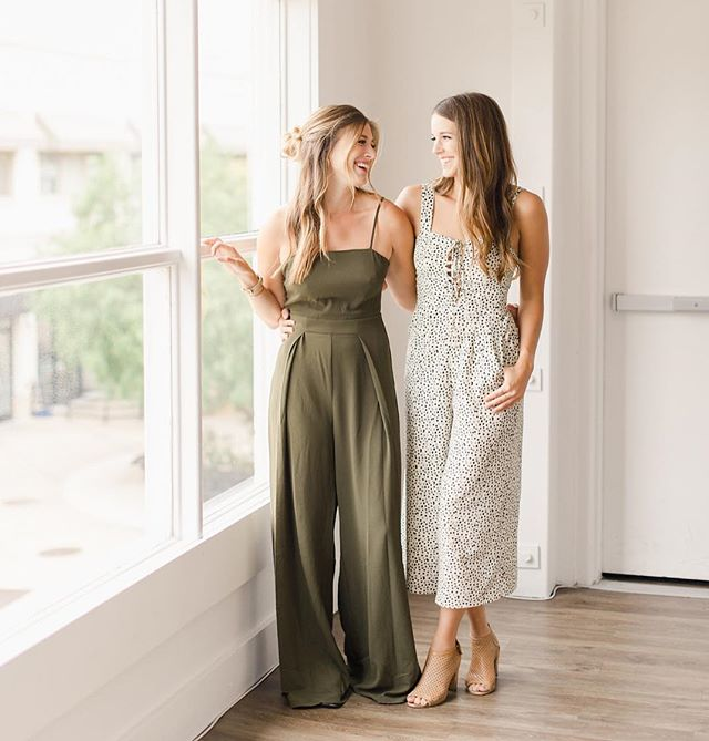 Jumpsuits are life... no but seriously,  it's kind of embarrassing how many of these we have in our closet. It's our favorite go to outfit. Anyone feel us?!? Photo: @the.mccunes // Lips and lashes by @designvisage