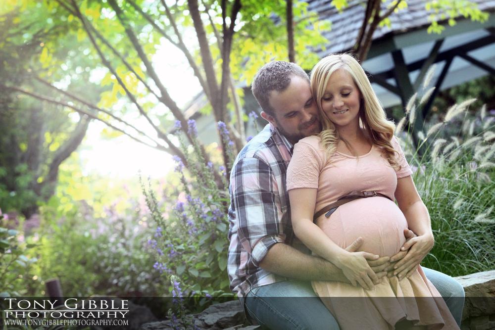 WEB - Jon and Lorrie Maternity 05.jpg