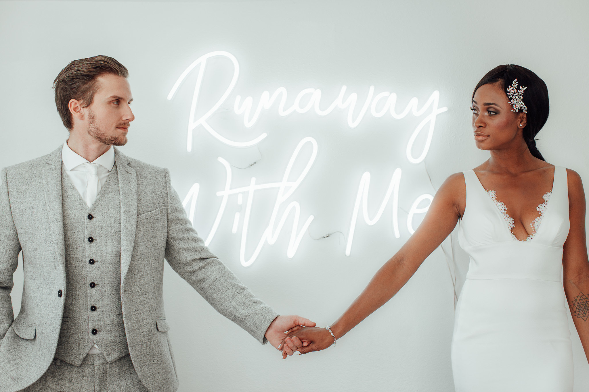 A New Winter Mix: Monochromatic White Wedding Styled Shoot with Custom White Neon Sign